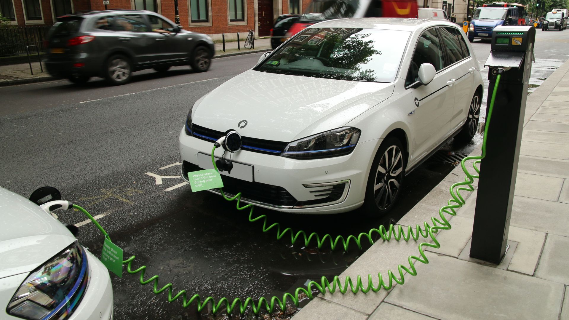 Labour ban petrol diesel cars 2030
