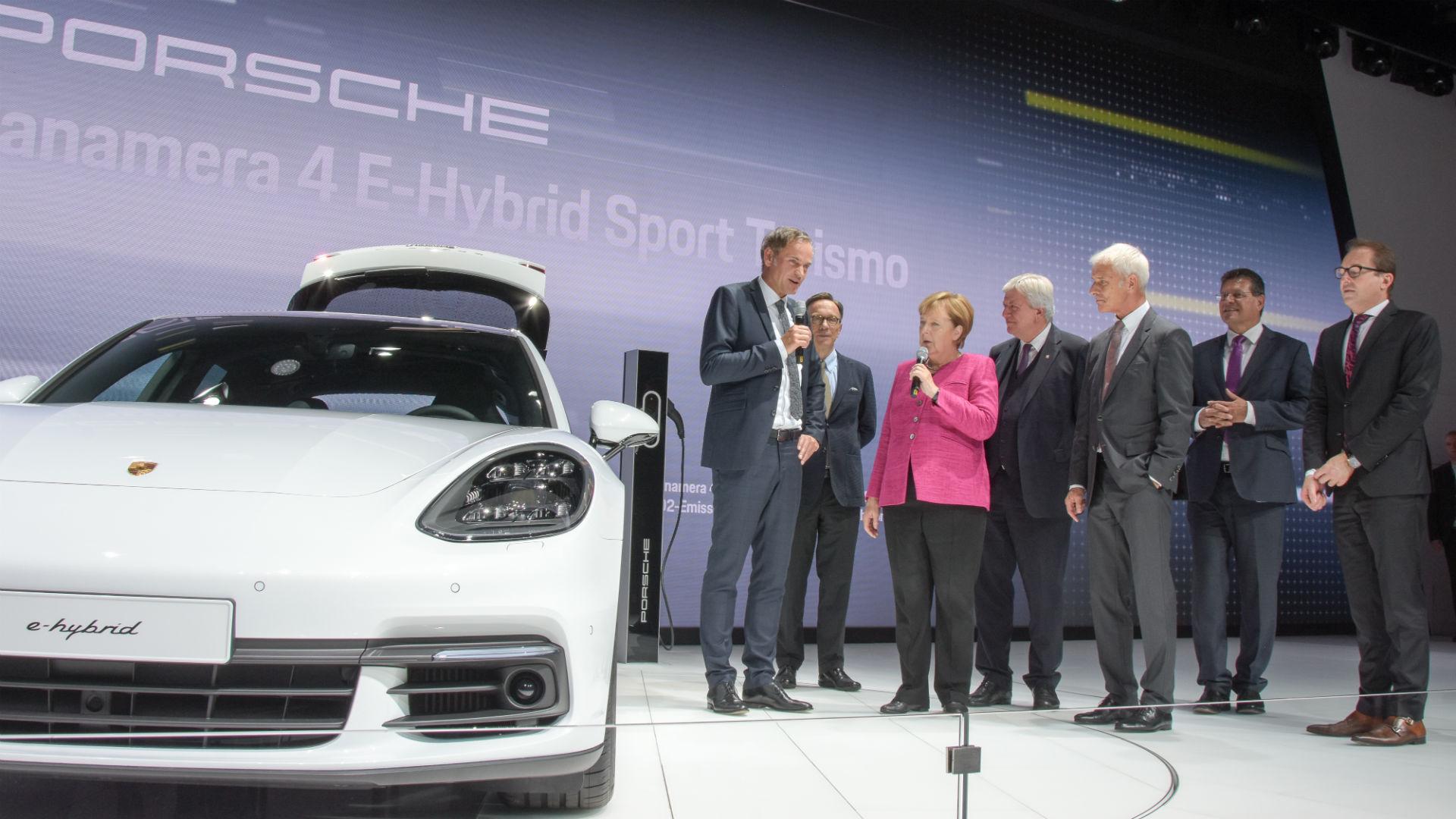 Angela Merkel Porsche Panamera e-Hybrid