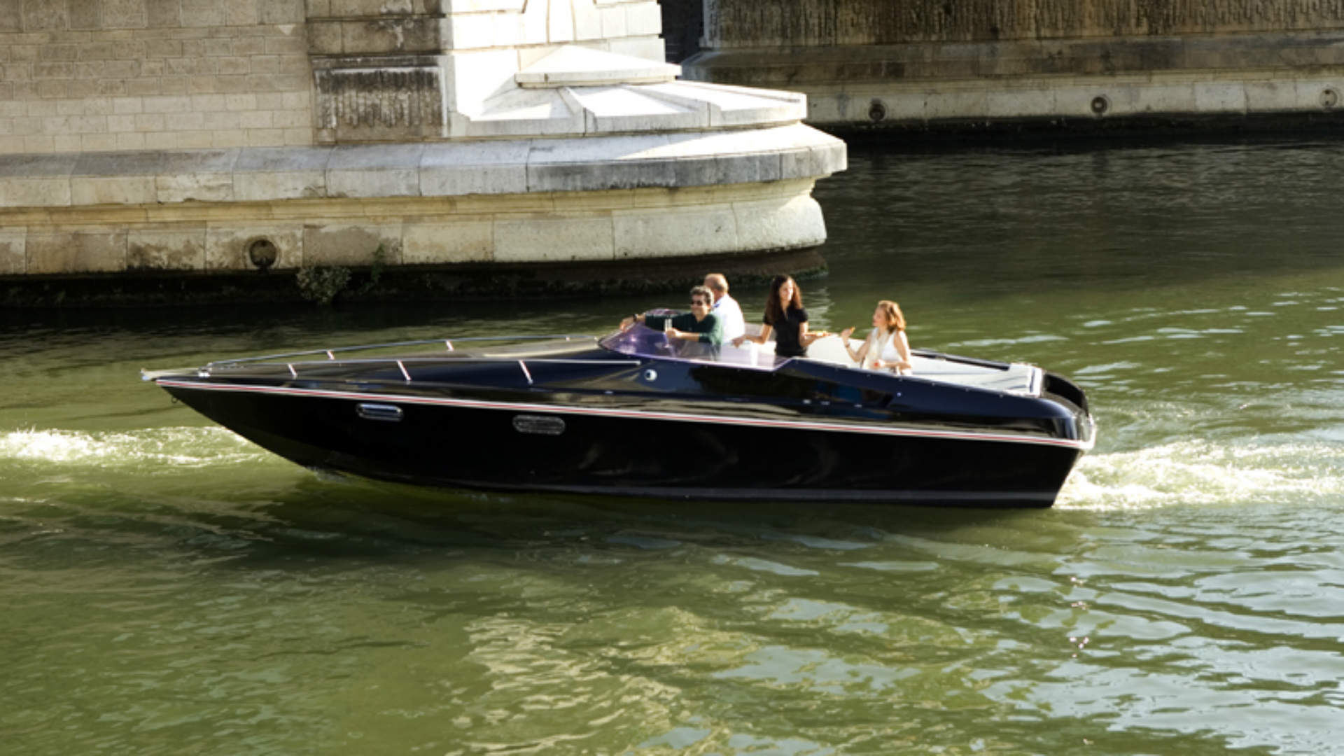 Black Swan electric boat in Paris