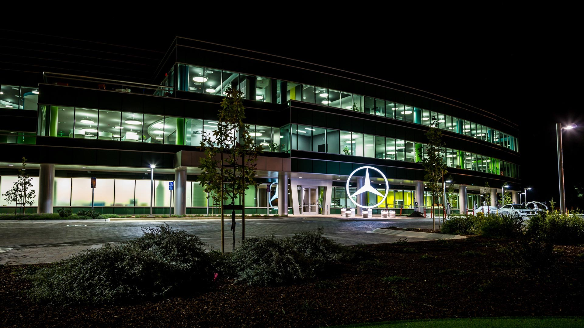 Mercedes-Benz owner to cut jobs