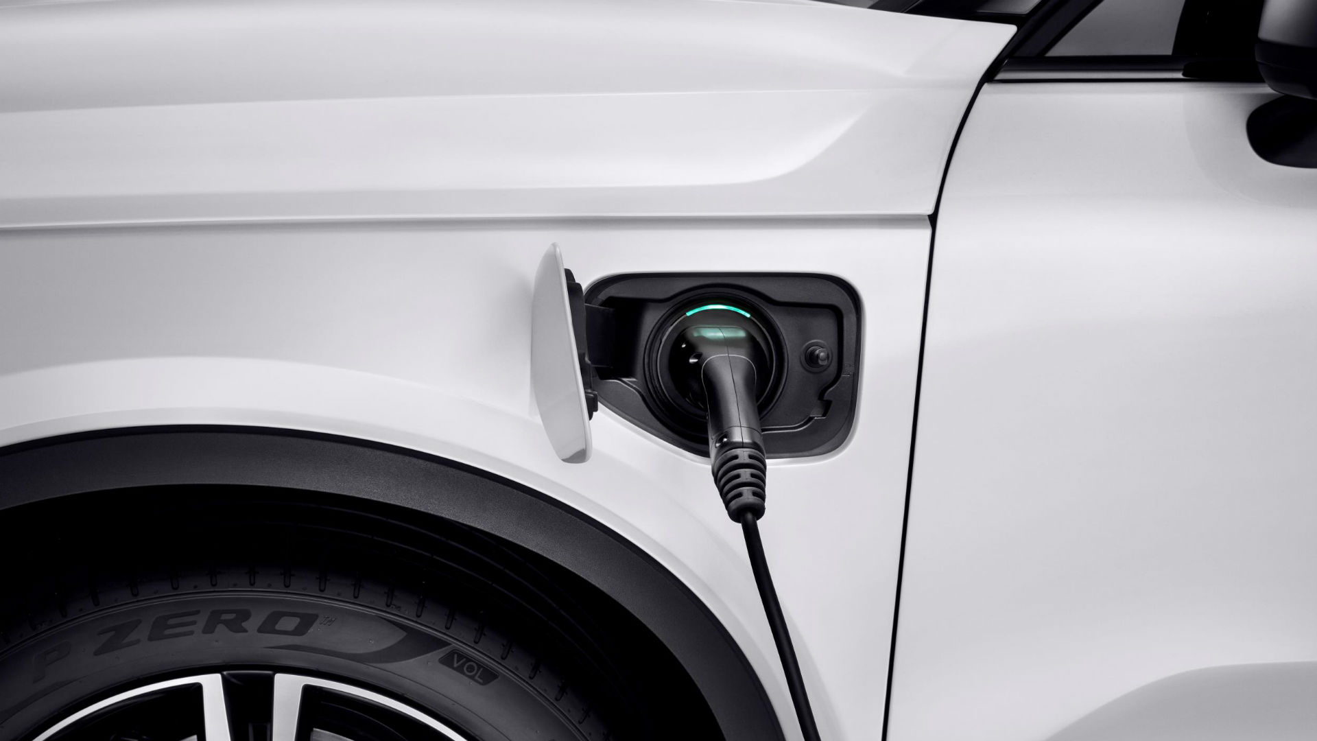 Volvo free electricity offer