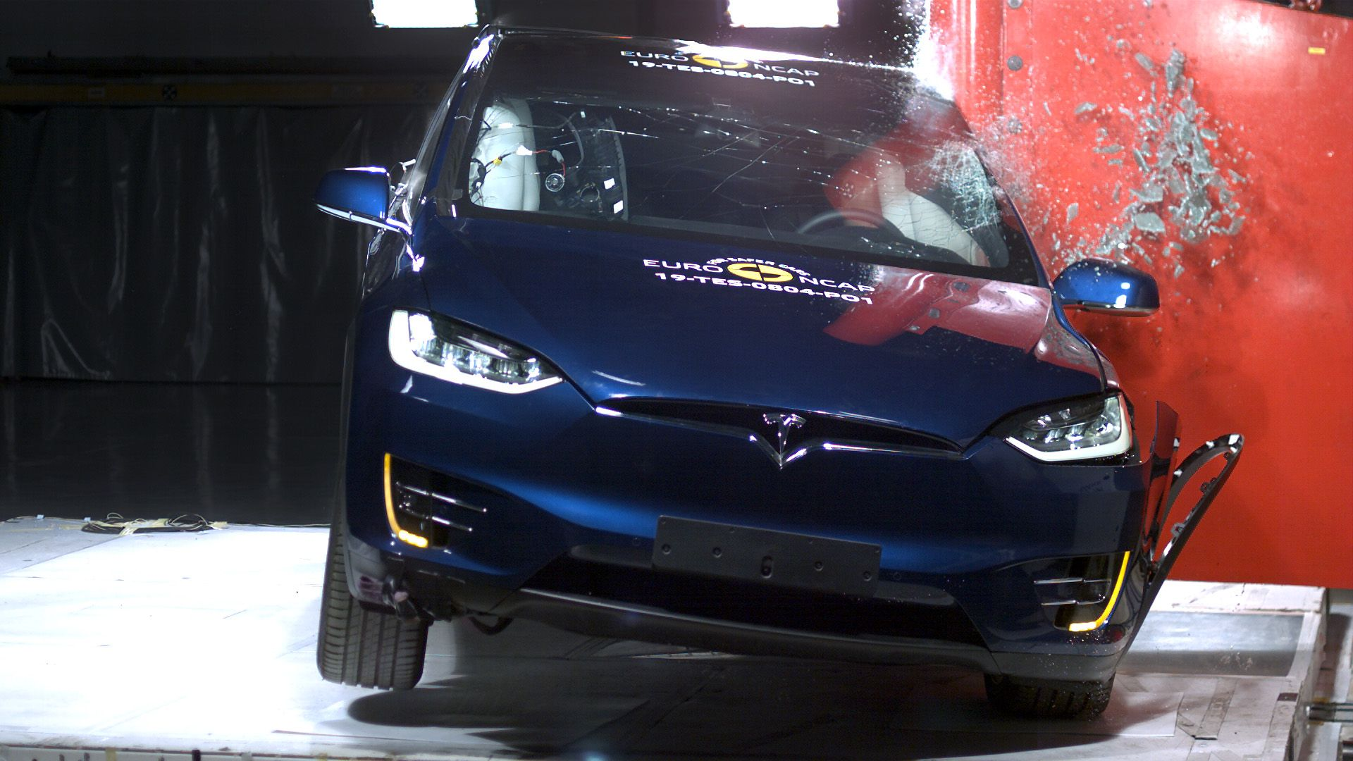 NCAP results Tesla Model X and Porsche Taycan