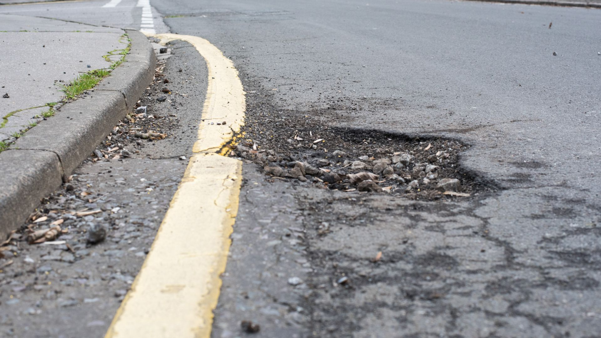 Potholes and speed bumps damage one in four cars