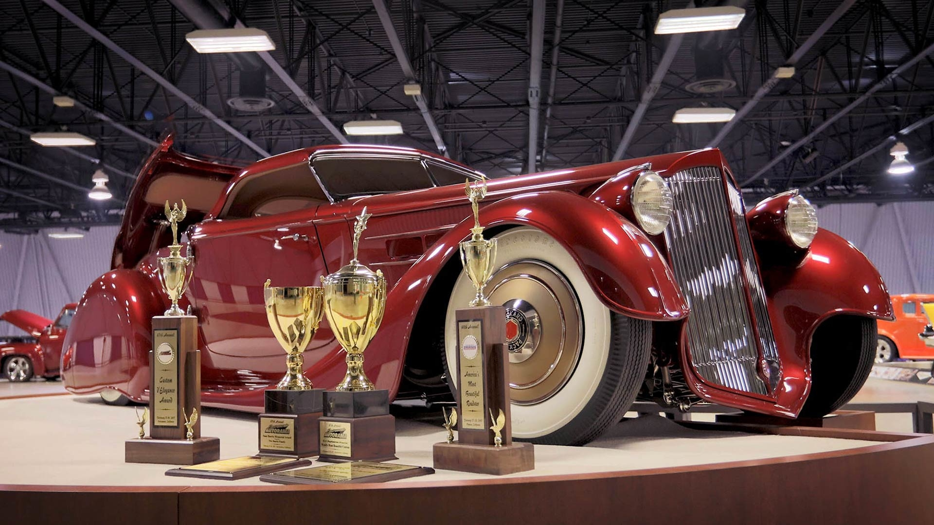 Hot rods and dragsters ready for world's biggest indoor car show this weekend