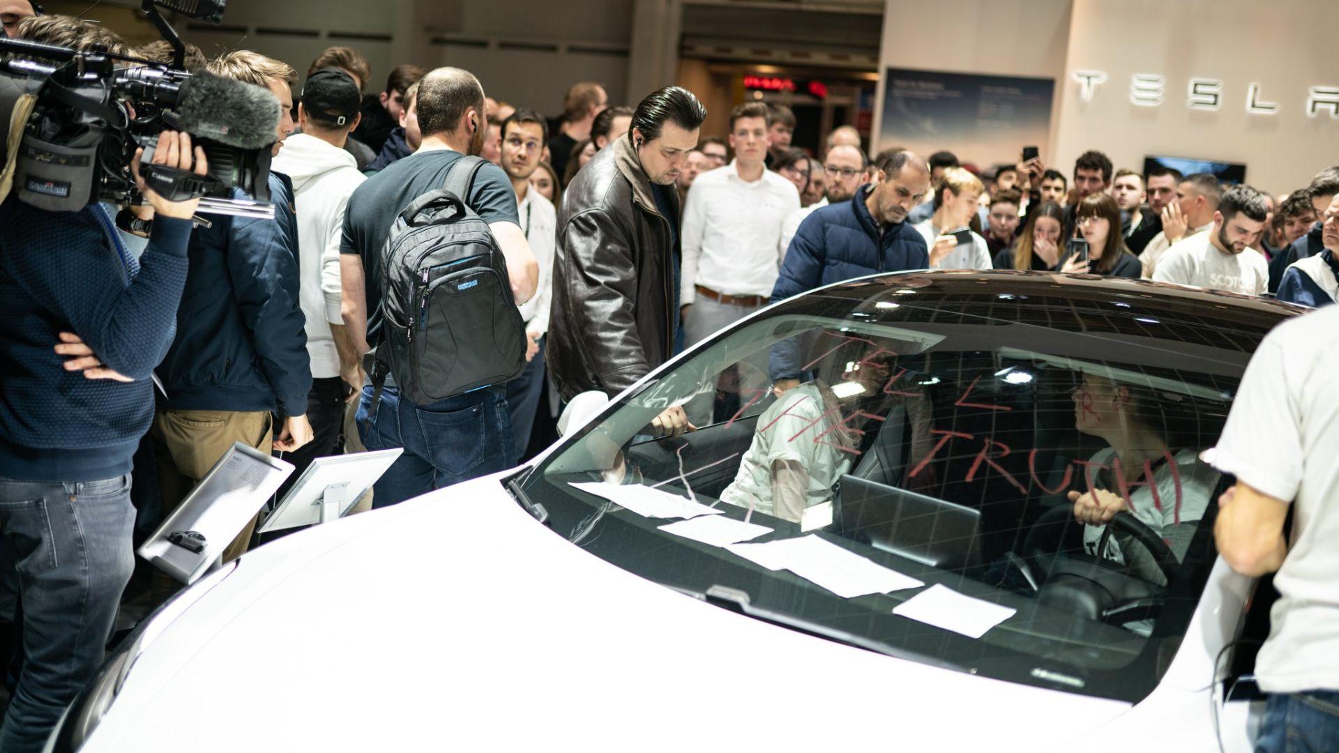 Extinction Rebellion Brussels Motor Show