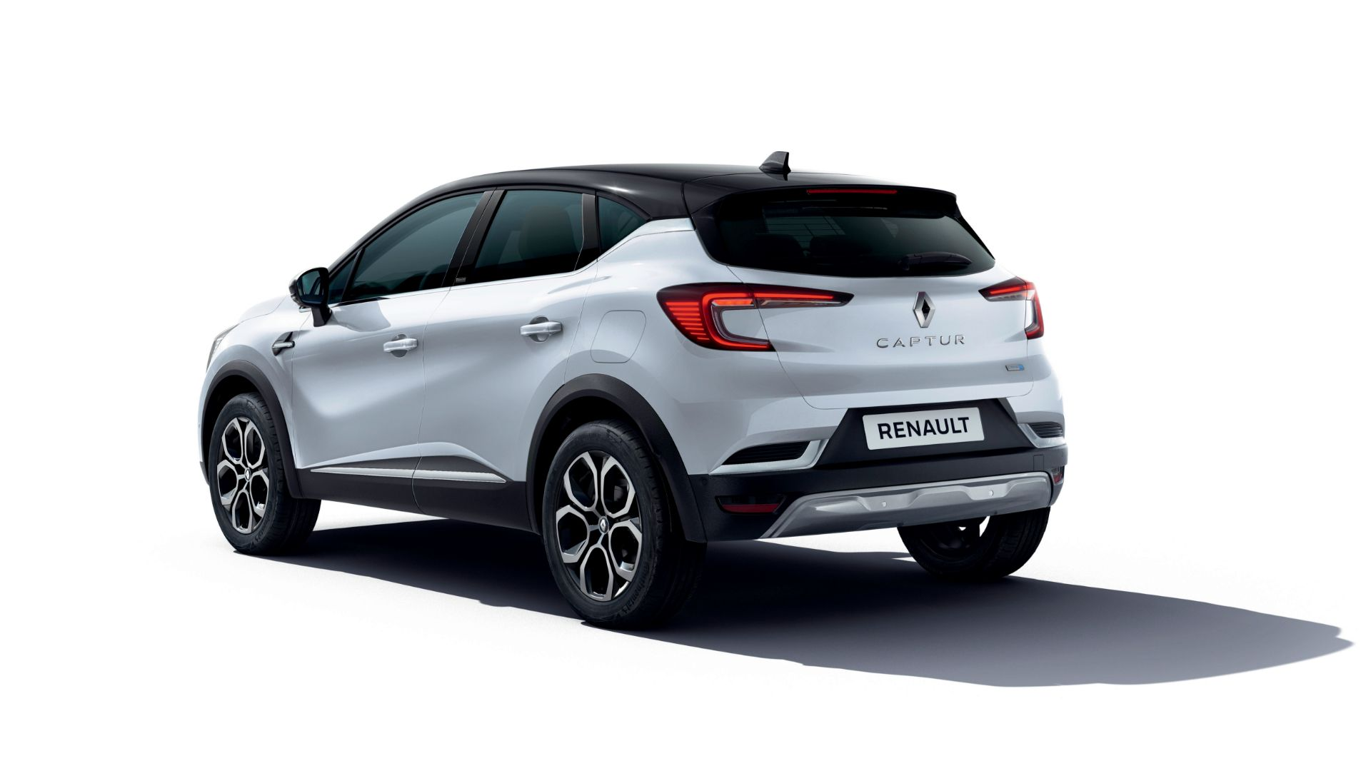 2020 Renault Clio and Captur go hybrid
