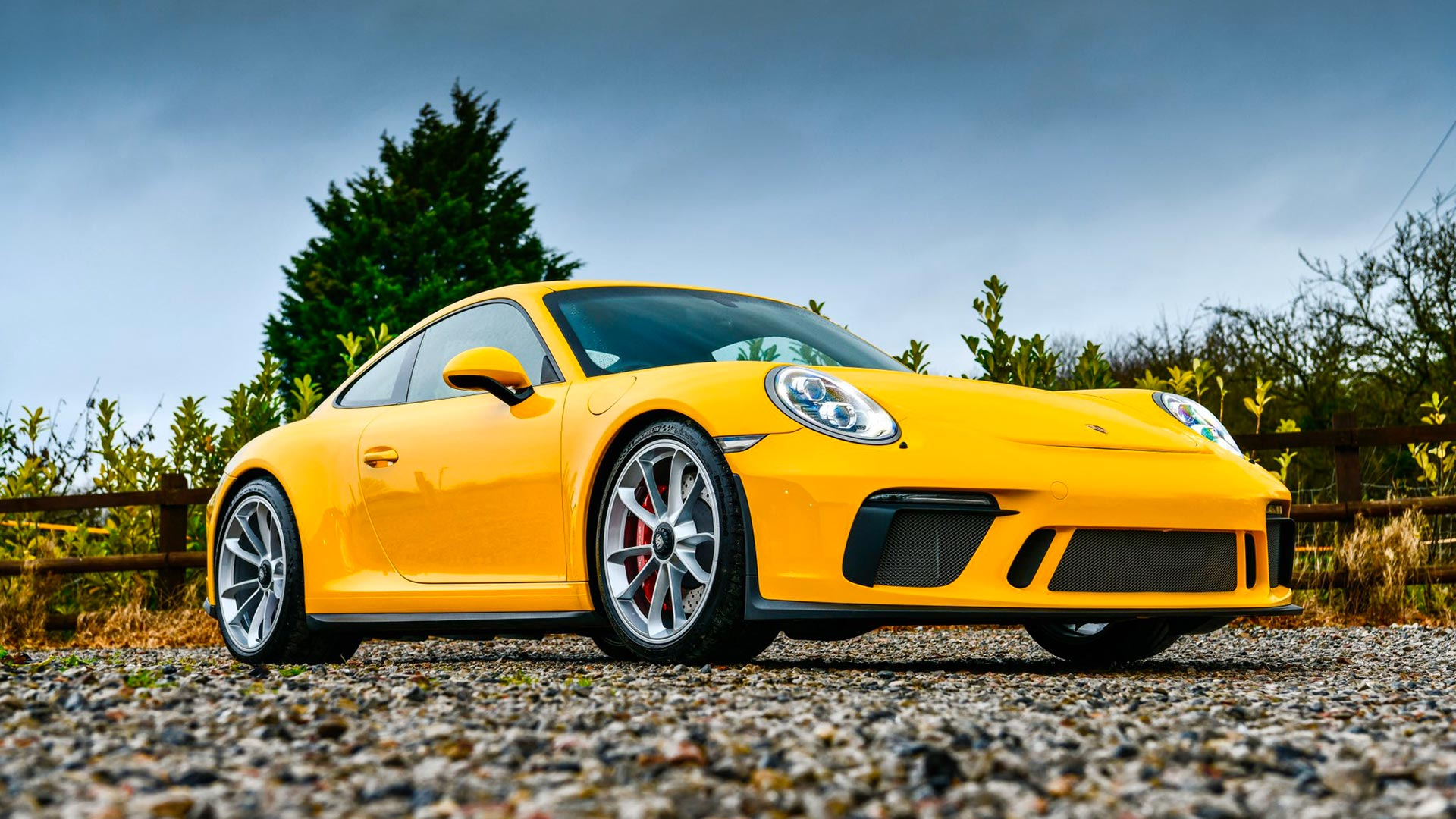 Chris Harris has new Porsche 911 GT3 Touring