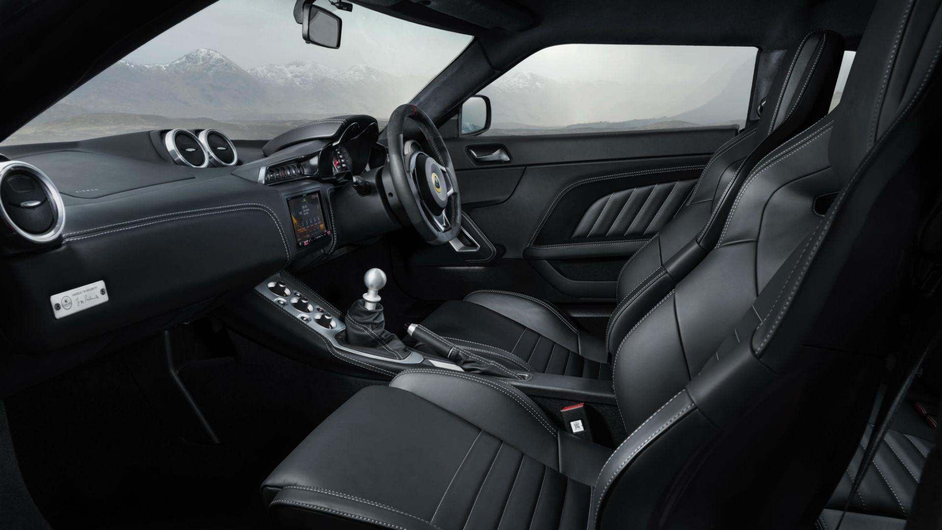 Lotus Evora GT410 interior