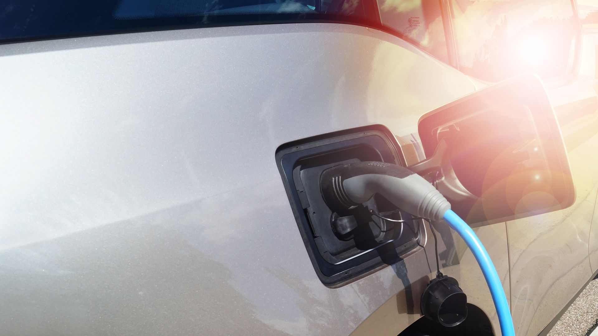 Fuel forecourt operators reluctant to invest in car chargers