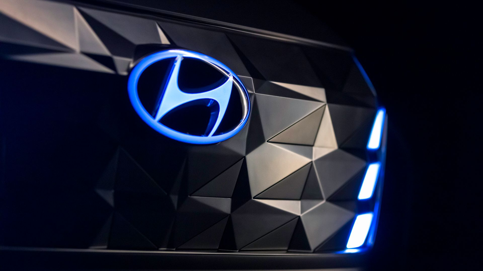 Hyundai Korean production suspended due to Coronavirus