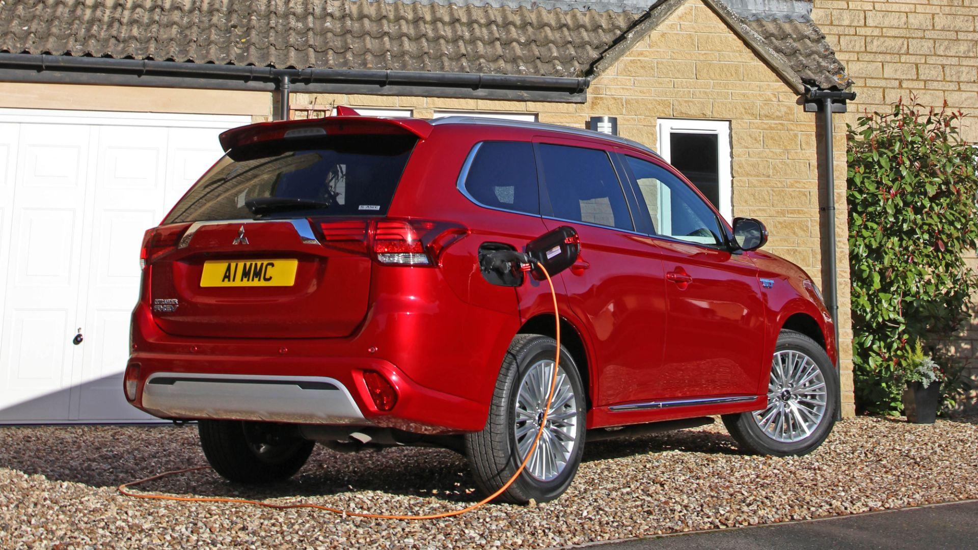 Mitsubishi Outlander PHEV 10,000 miles free charging