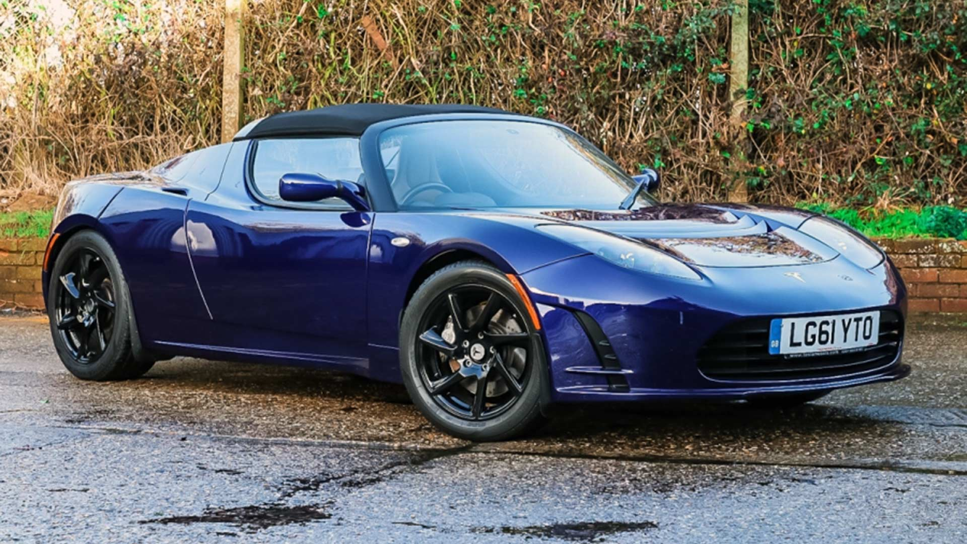 You Could Buy This Rare Tesla Roadster Heading To Auction Motoring Research
