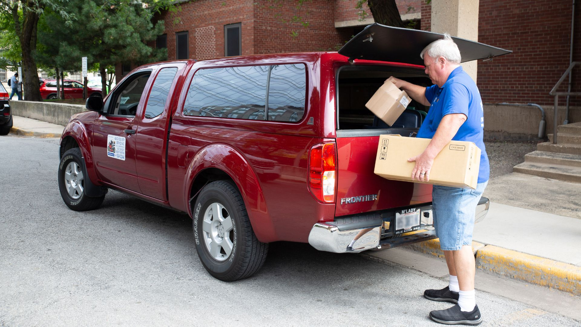 Million-mile Frontier man gifted new truck by Nissan