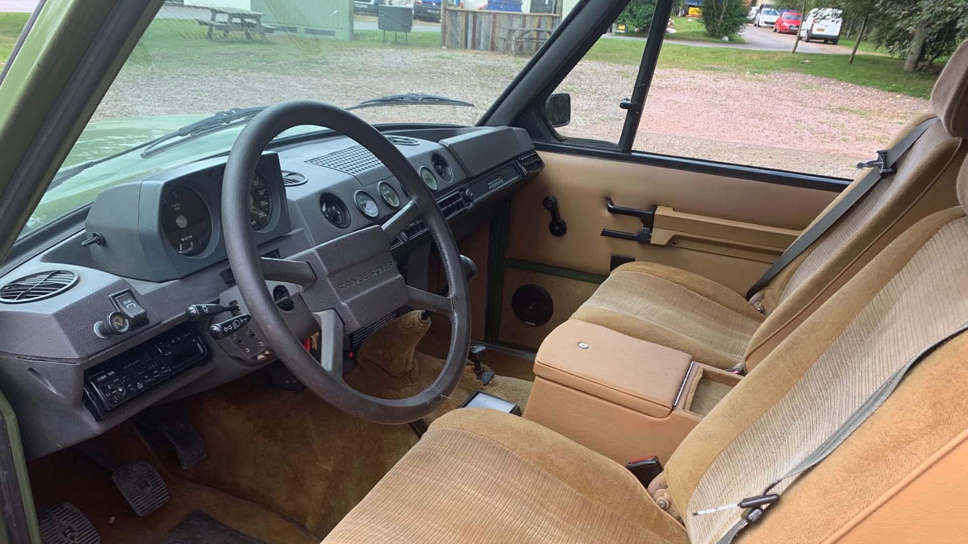 Salvage Hunters Classic Cars Range Rover interior
