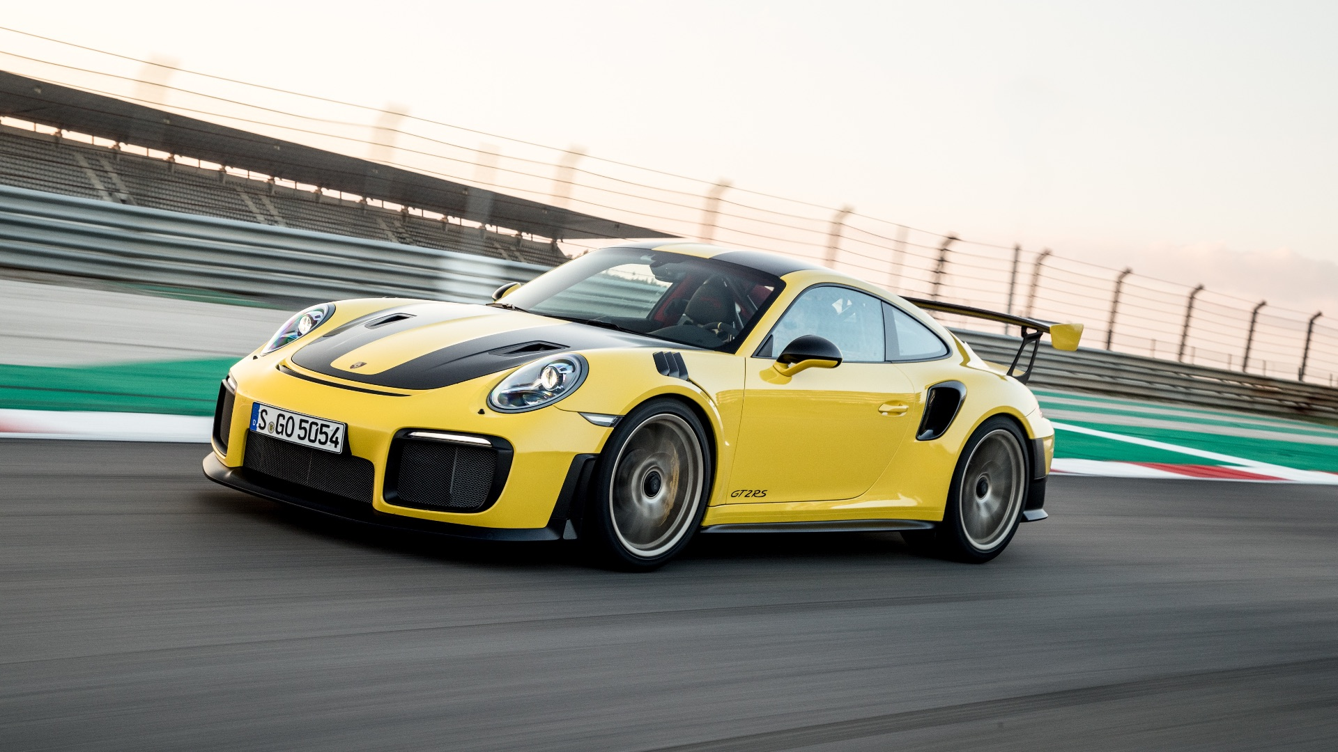 Porsche 911 Gt2 Rs Review Wing And A Prayer
