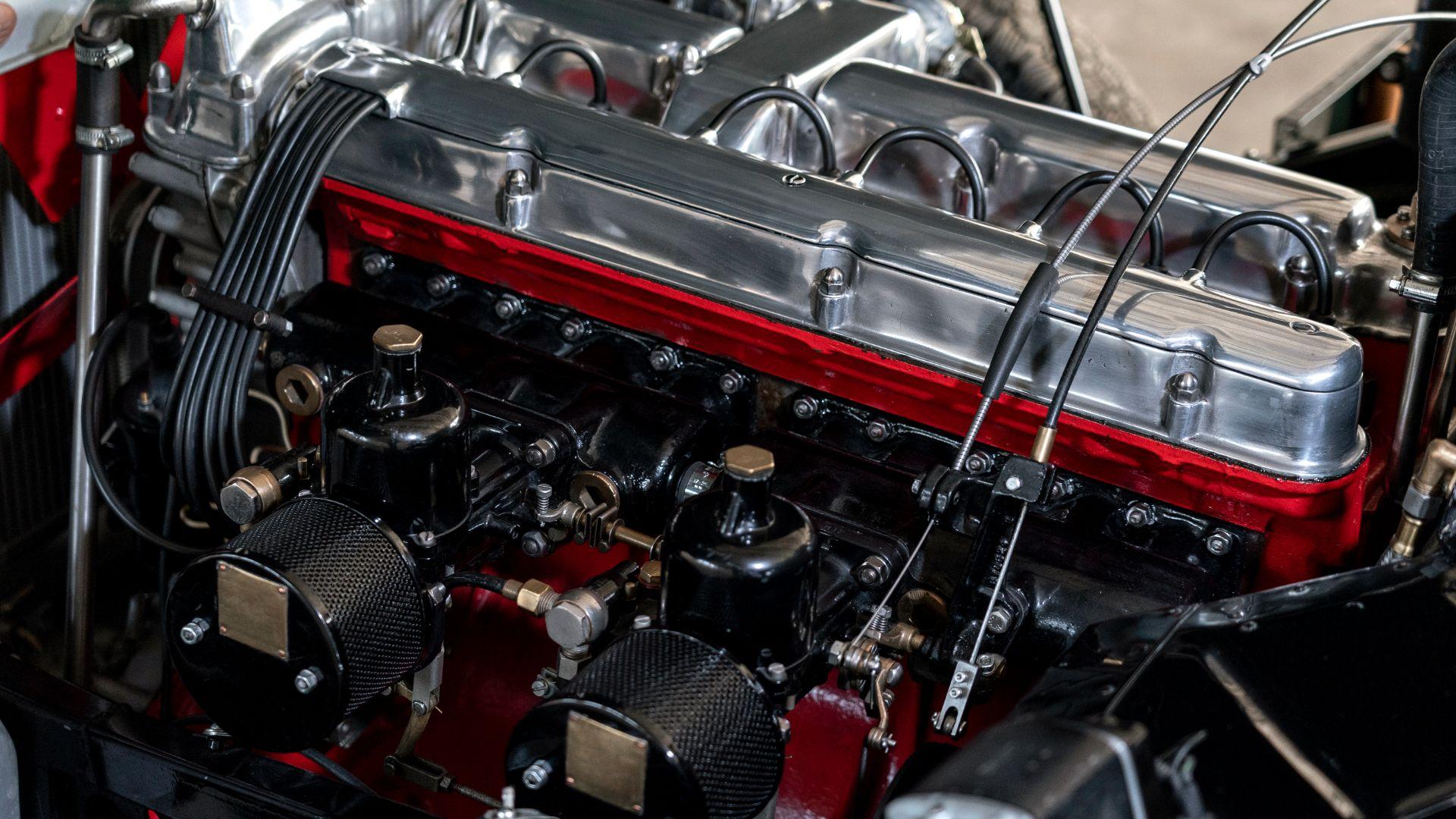 DB2 Vantage: Le Mans-proven power