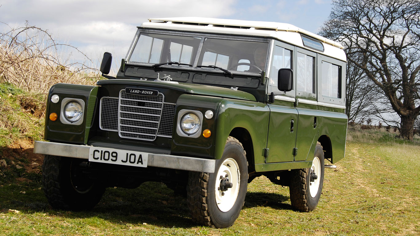 Land Rover Series III production