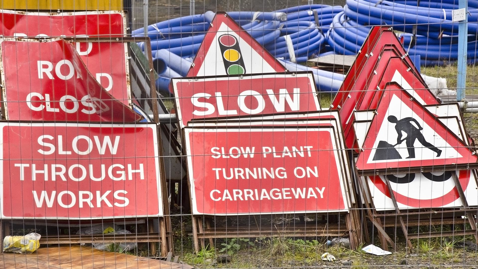 Campaign to sort road signs