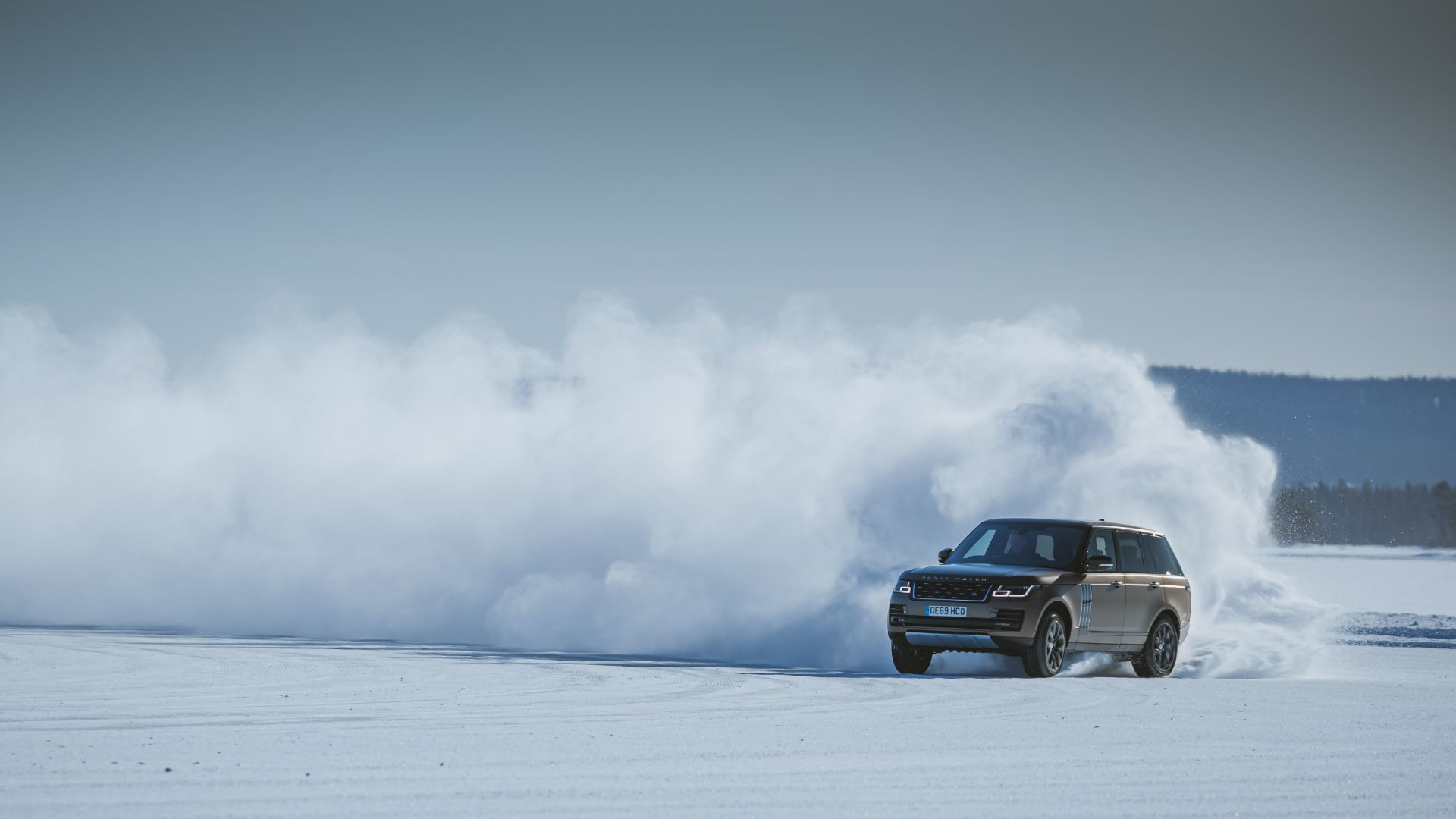 Anthony Joshua Range Rover on ice