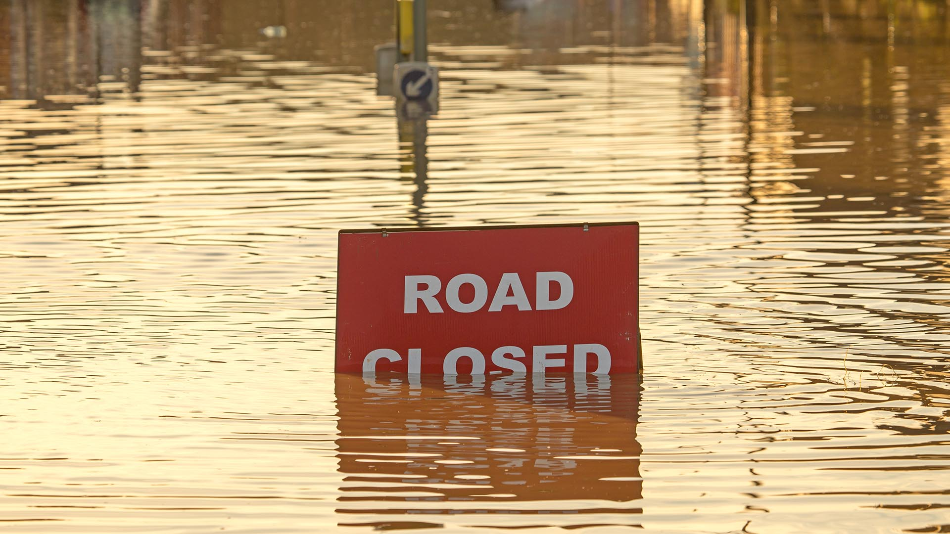 Road closed flooding