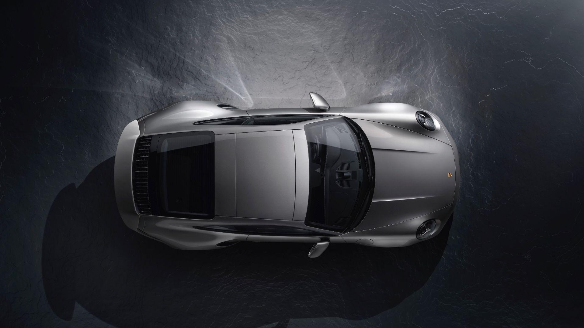 Porsche 911 Turbo 992 v 991