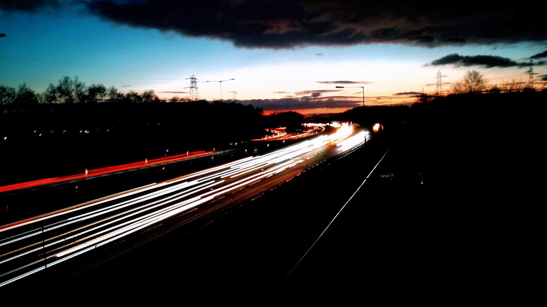 M60 motorway lifted over river Mersey for bridge repair
