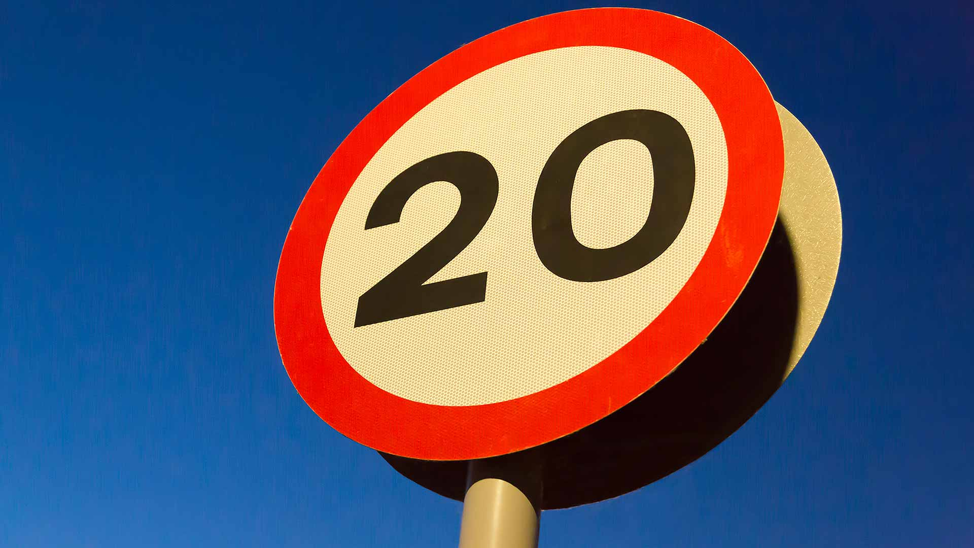 20mph speed limit road sign