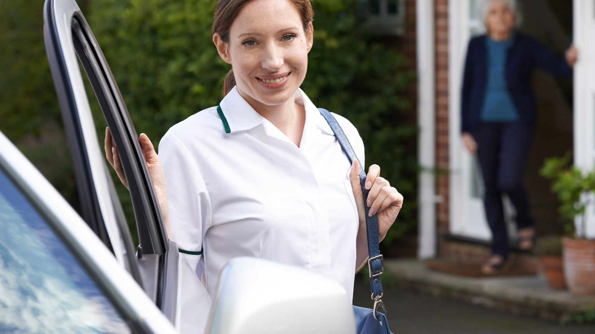 NHS workers can get 75 percent rebate on temporary car insurance during covid crisis