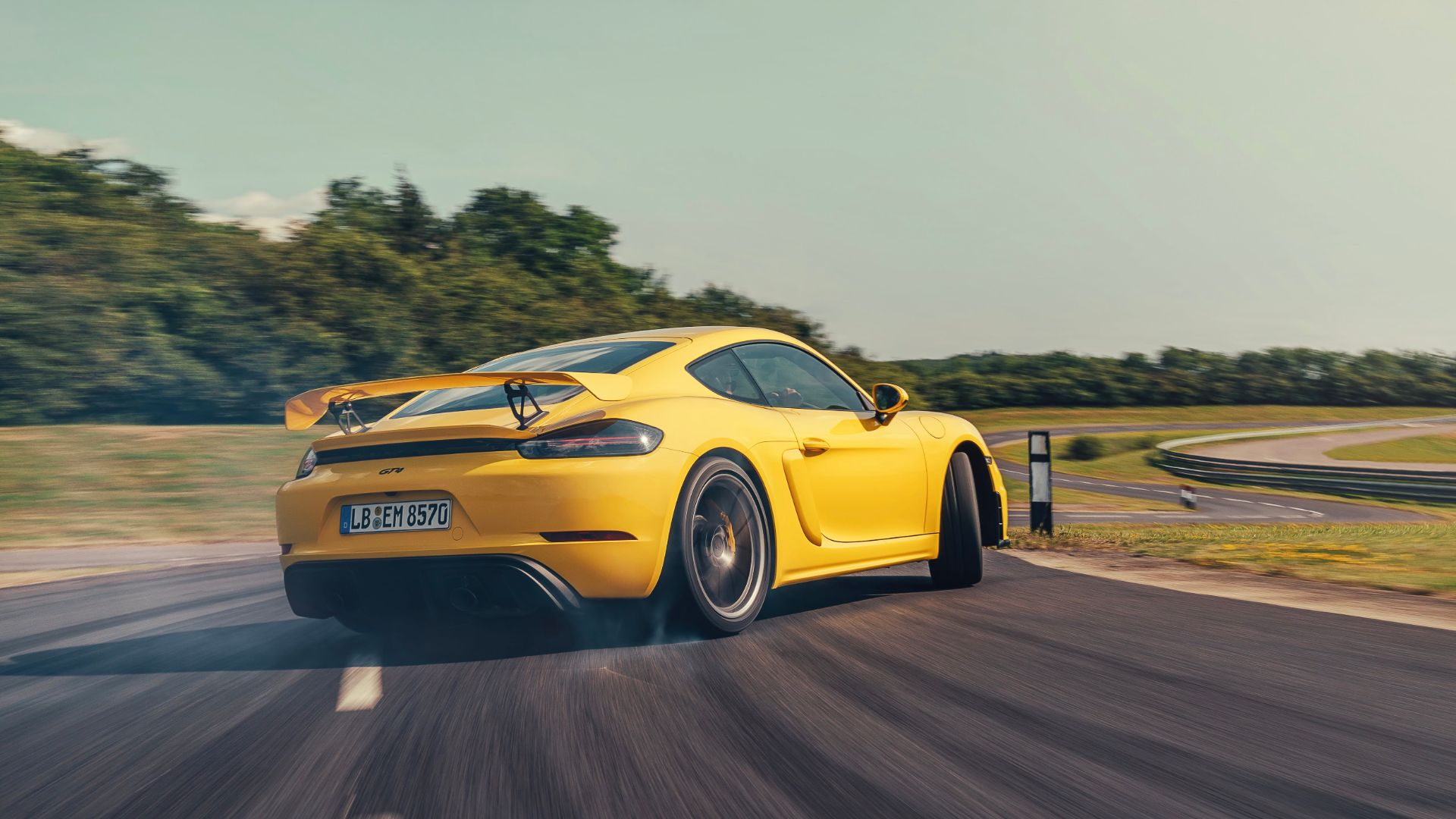 Porsche Photographer Shares Secrets Of Amazing Car Photos Motoring Research