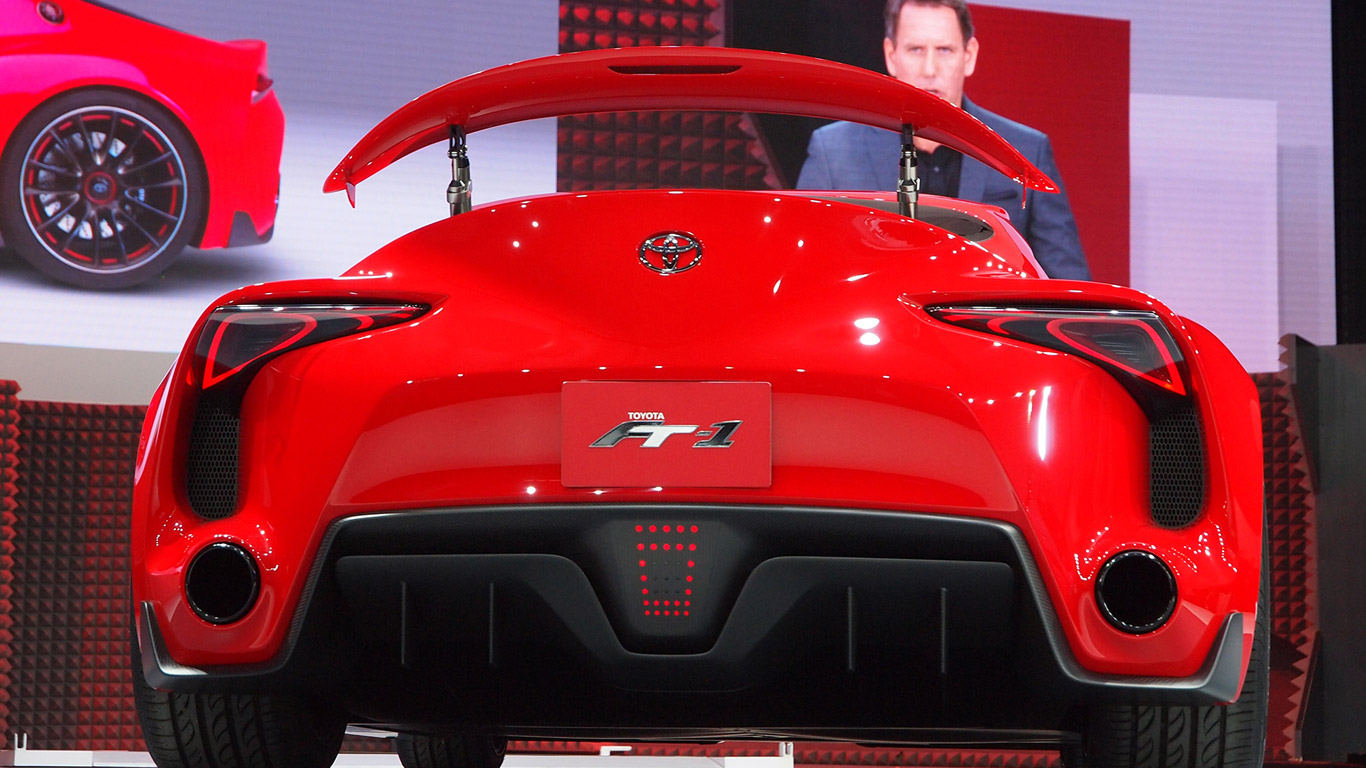 Toyota FT-1 and the F1-style rear light