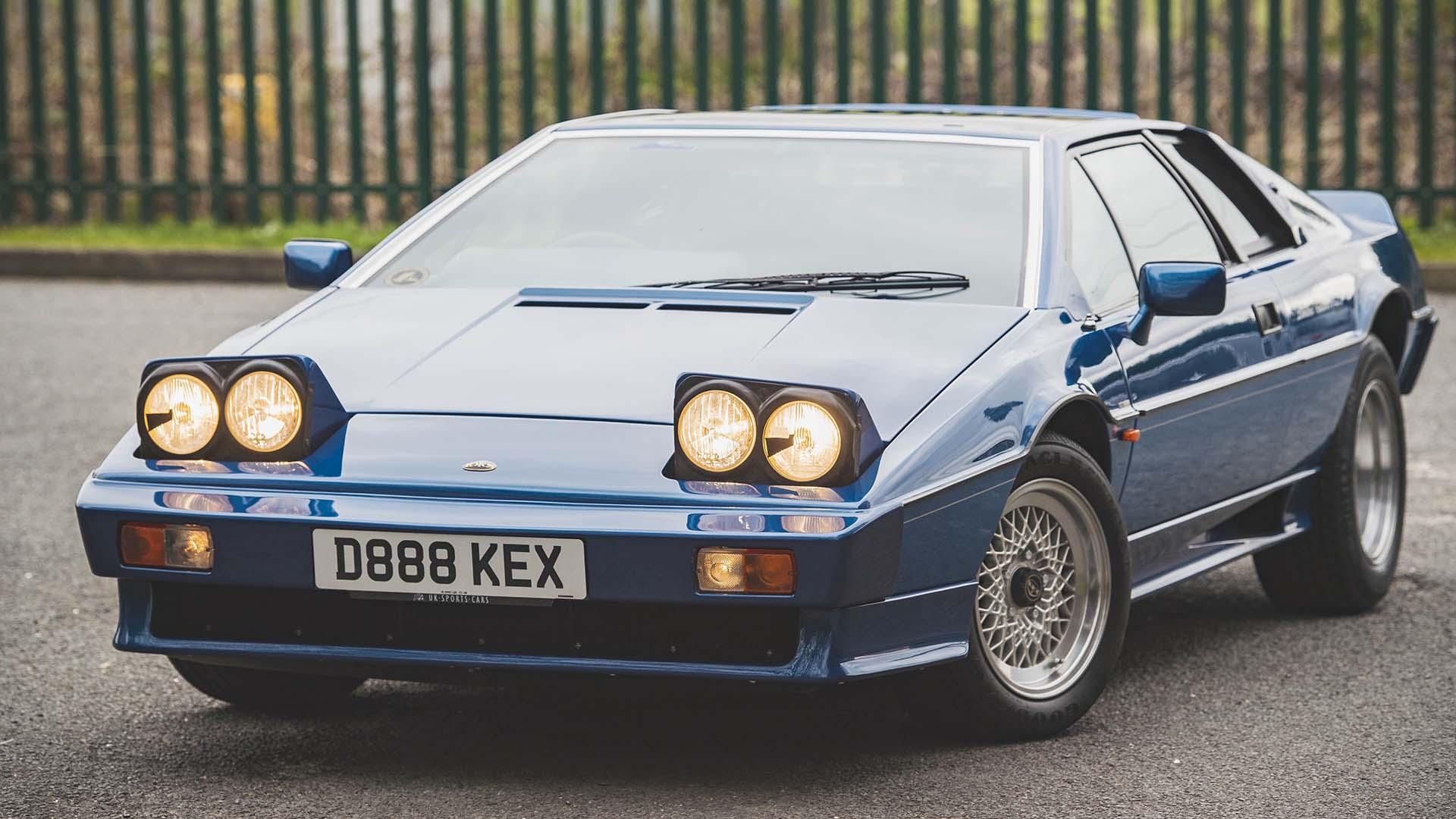 1987 LOTUS Esprit Turbo HC front angle 2
