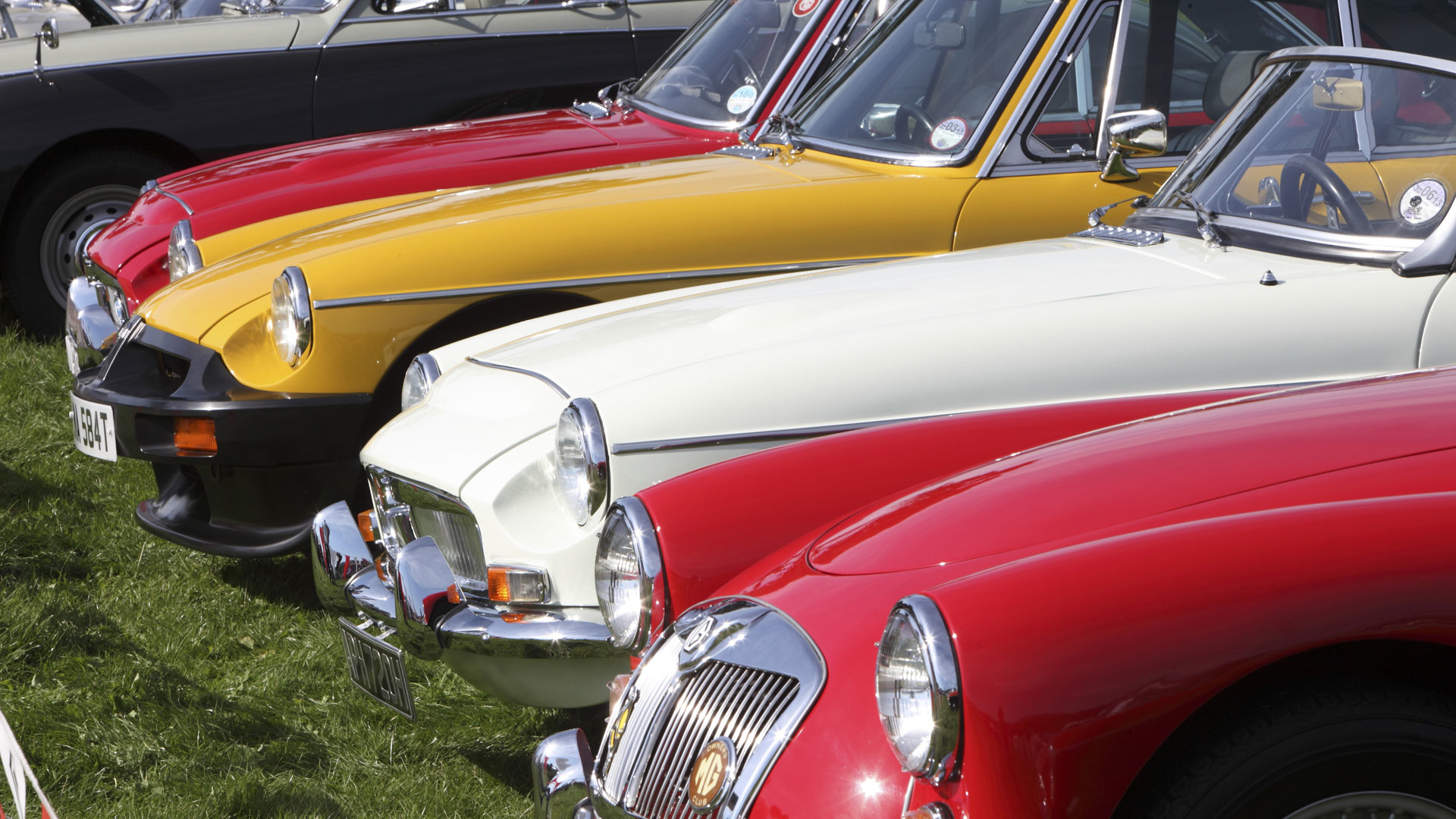 Buy a classic car over 40 years old to save on VED
