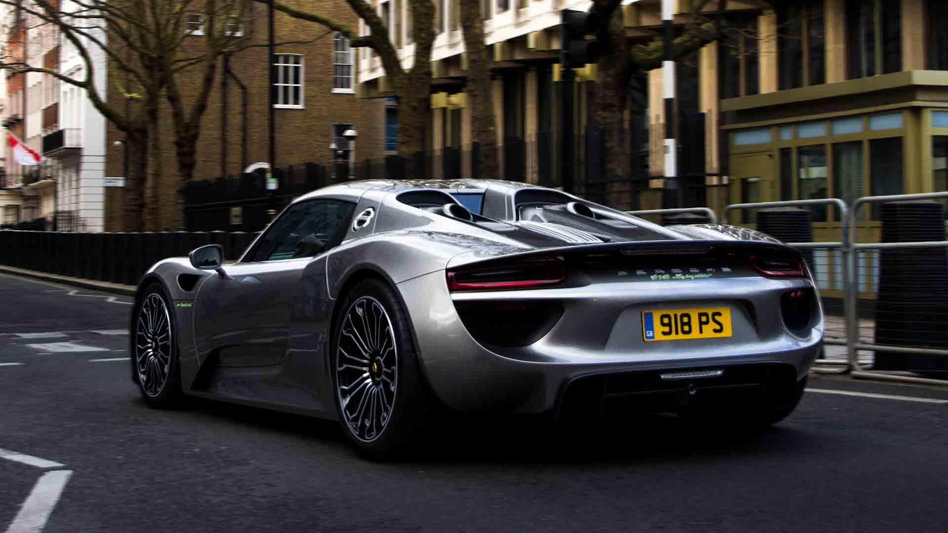 Porsche 718 Spyder in London