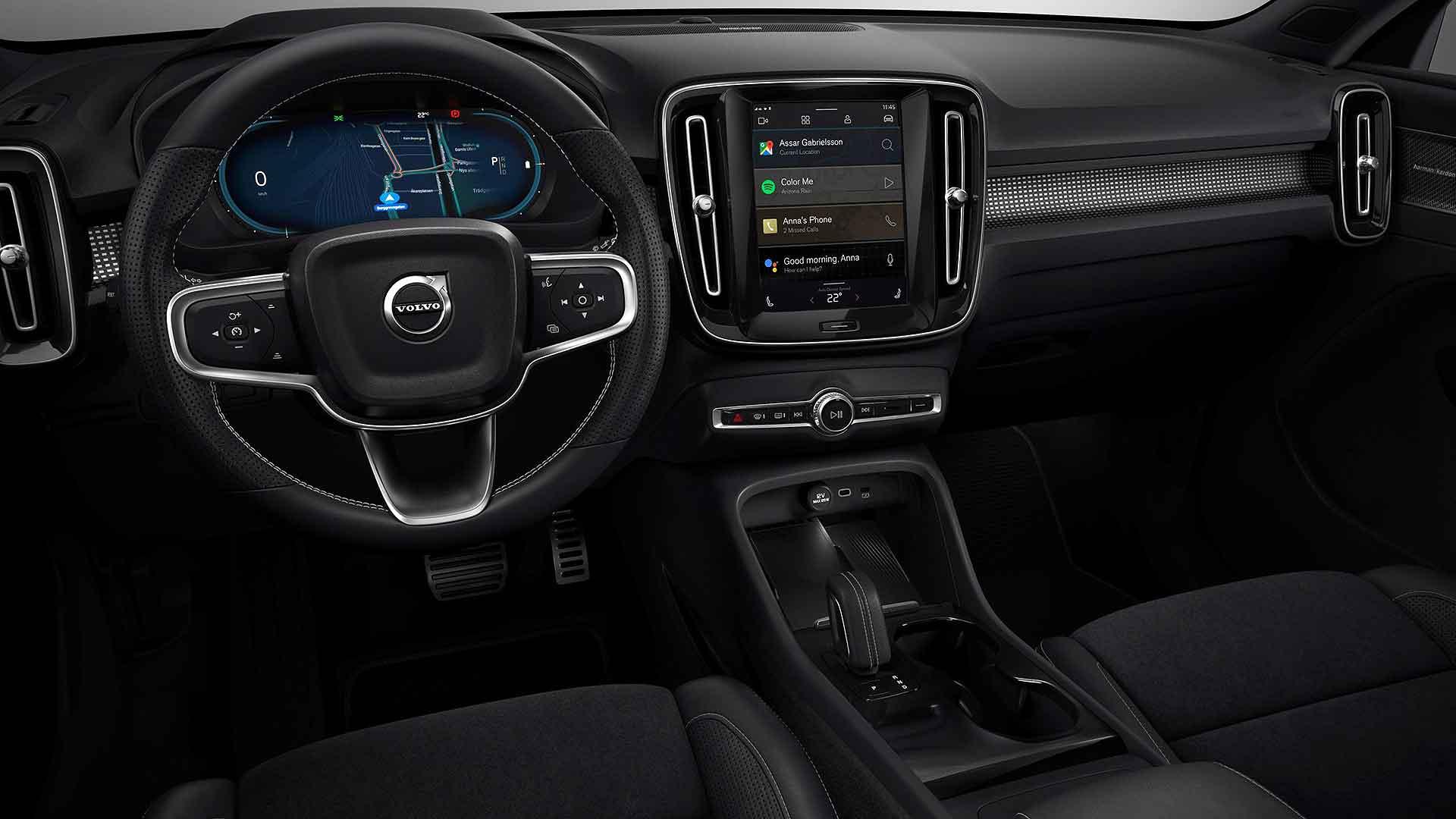 Volvo XC40 Recharge P8 interior