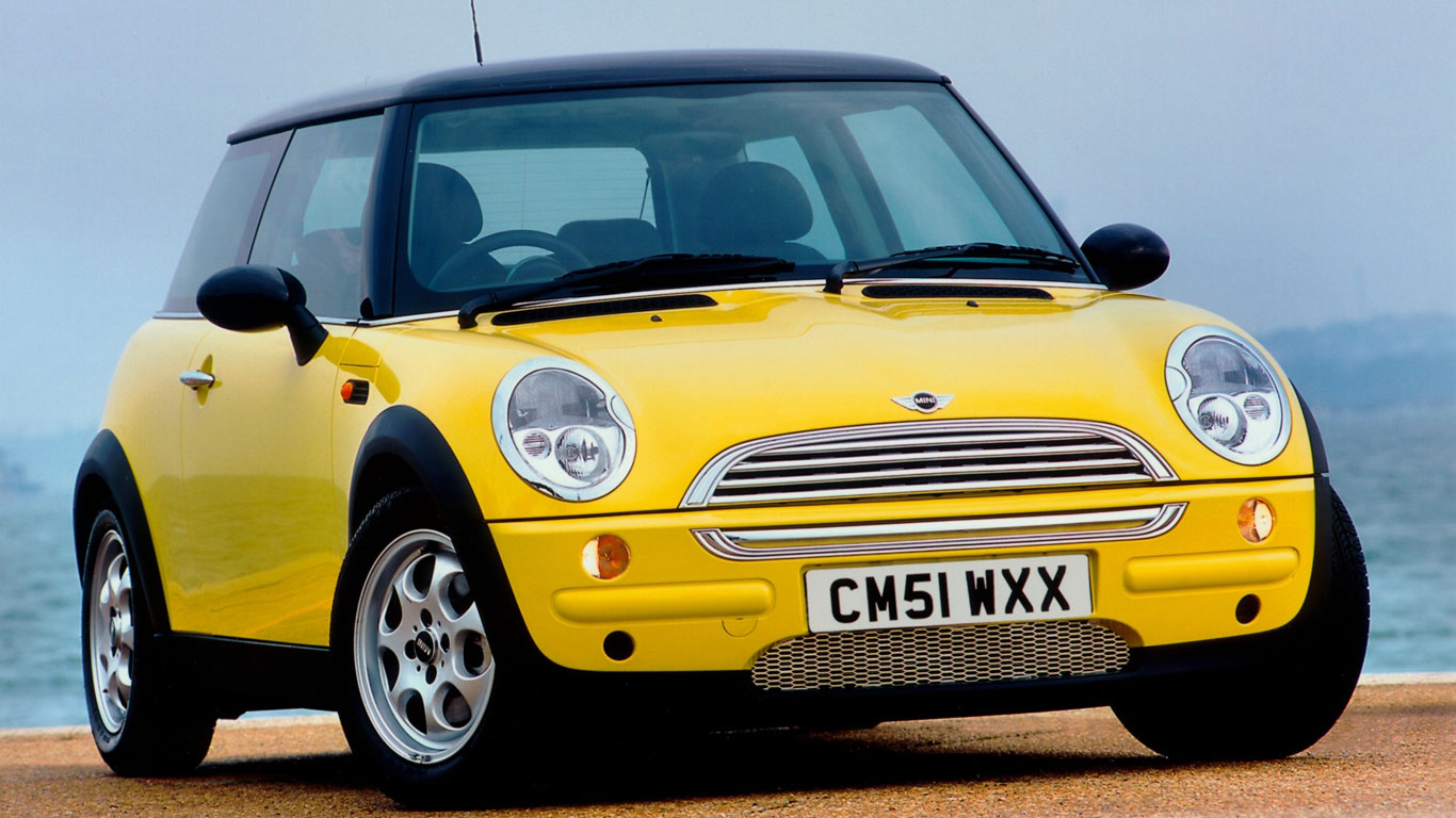 Early new Mini in yellow