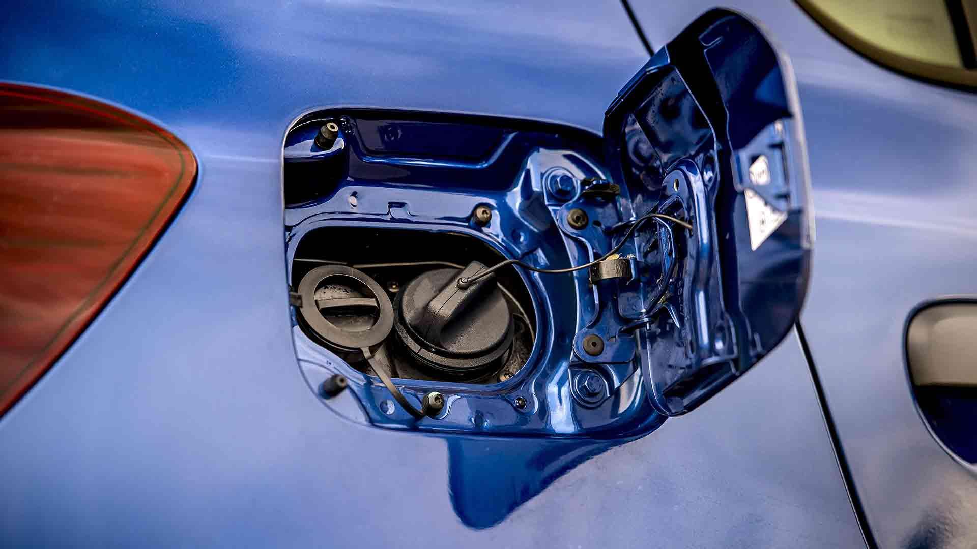Dacia Sandero Bi-Fuel LPG and petrol filler