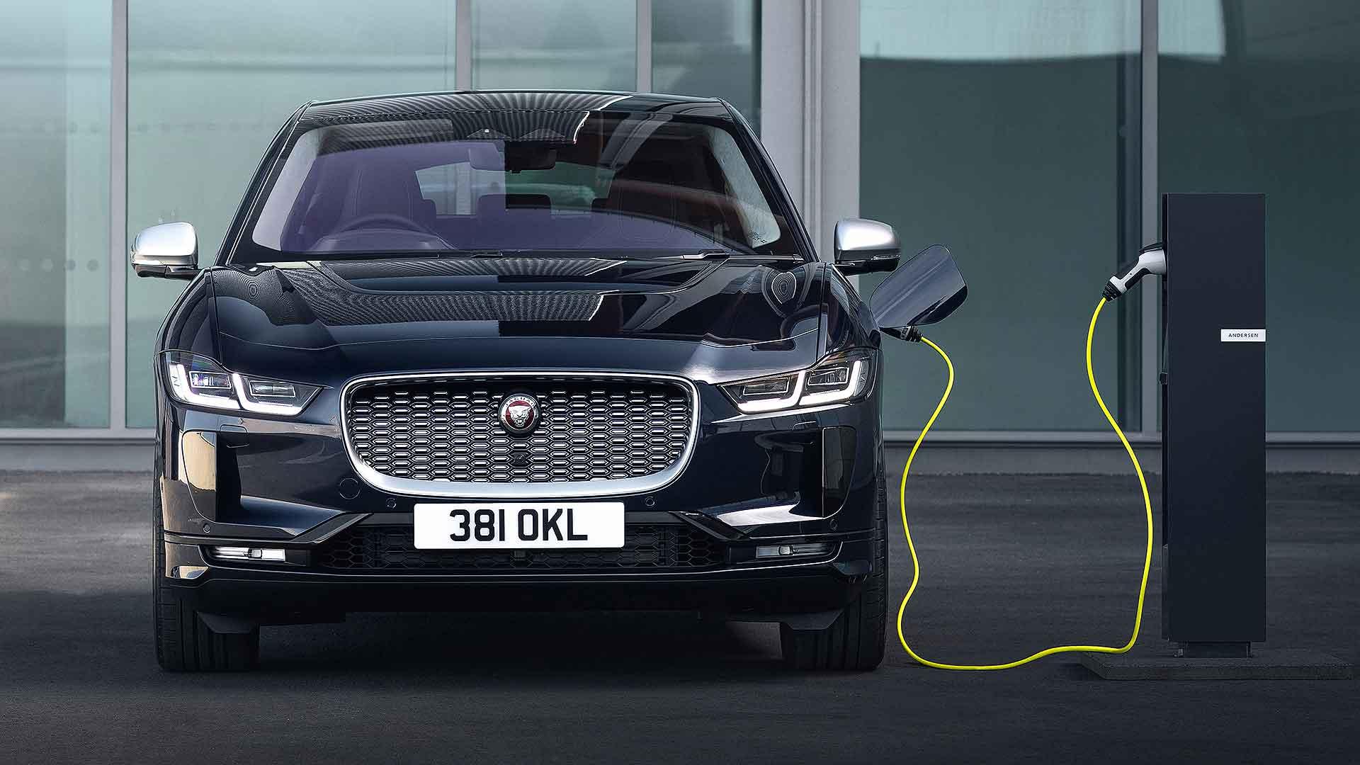 Jaguar I-Pace 21MY exterior charging Portofino Blue
