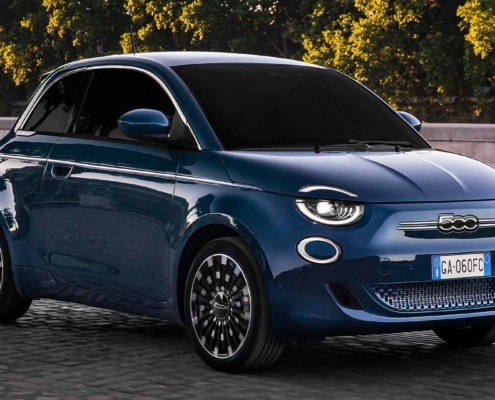 Electric Fiat 500 hatch front