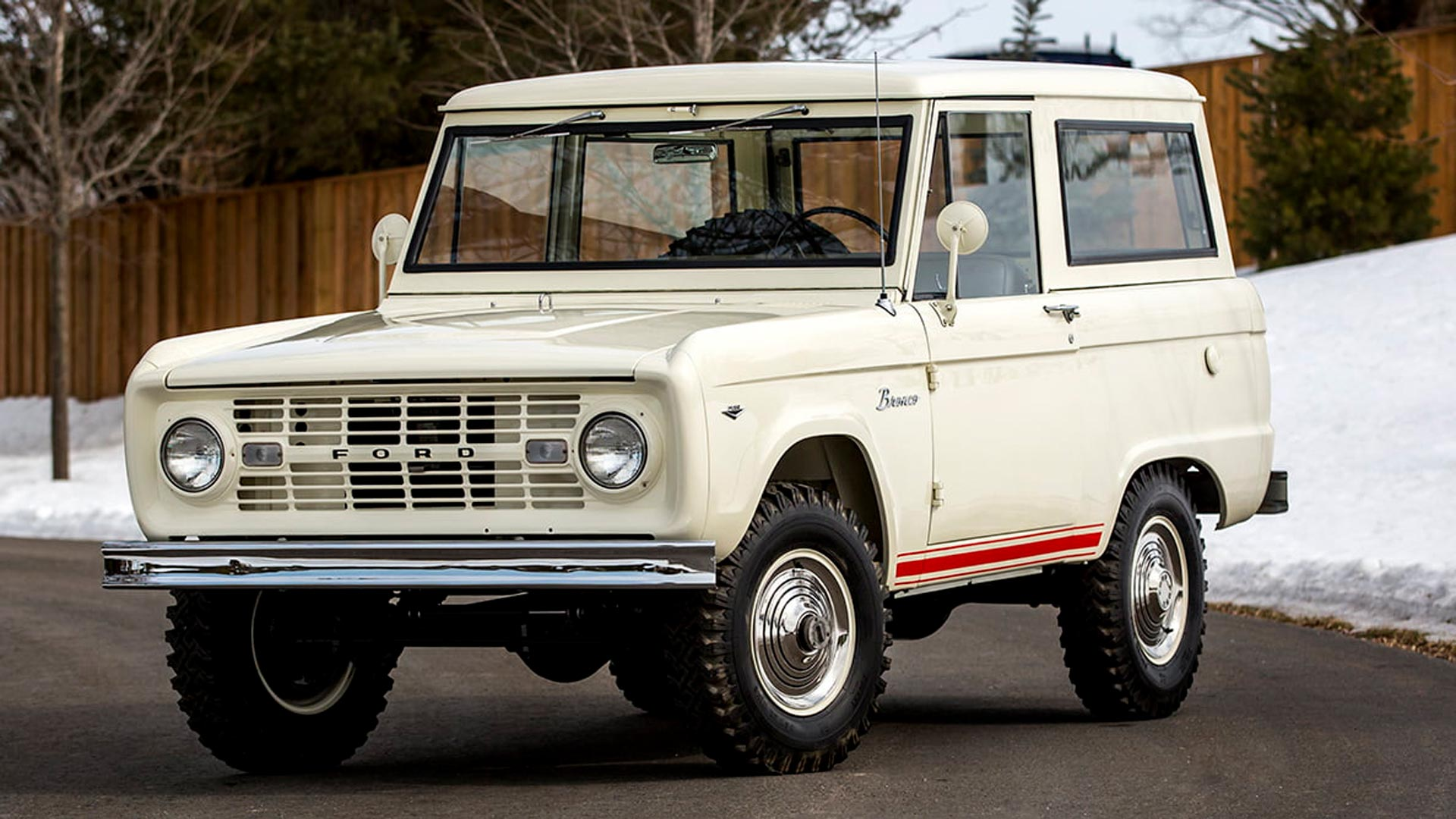 Five classic Ford Broncos to buy at auction this week ...