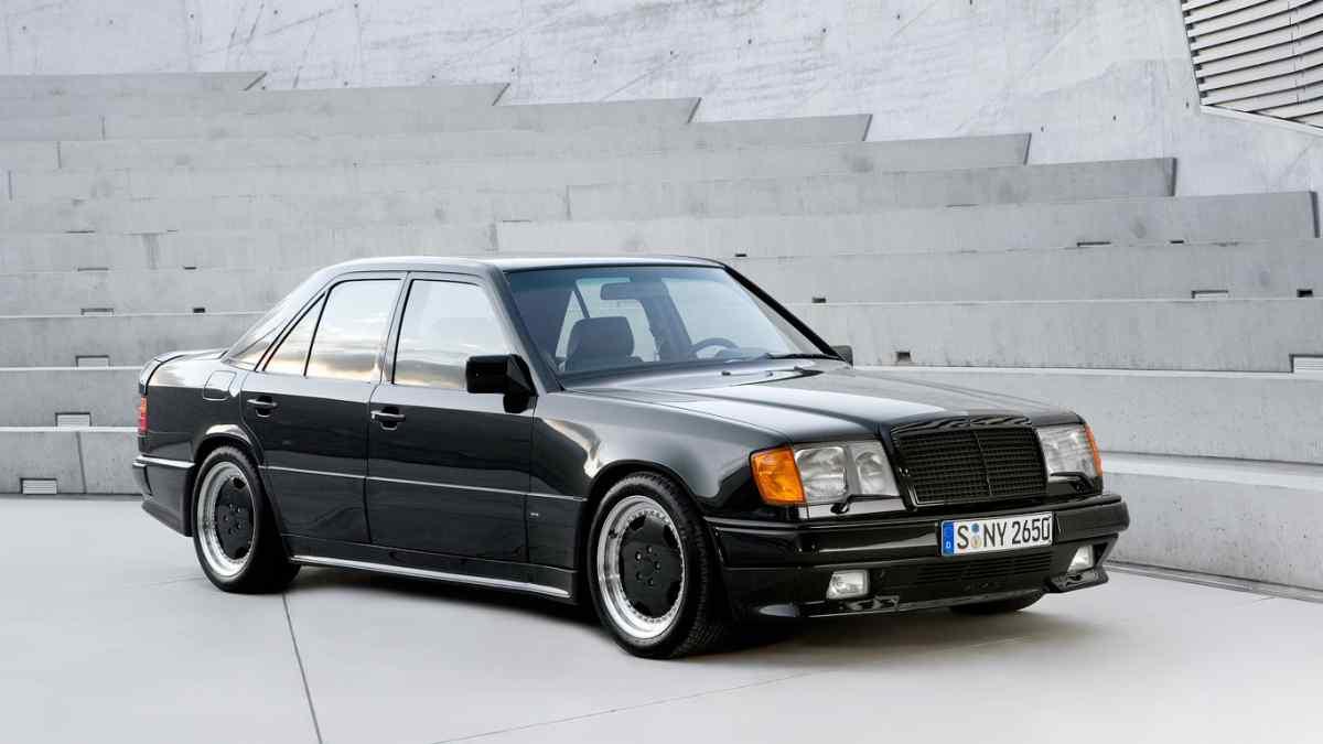 Mercedes-Benz 300 E 5.6 AMG