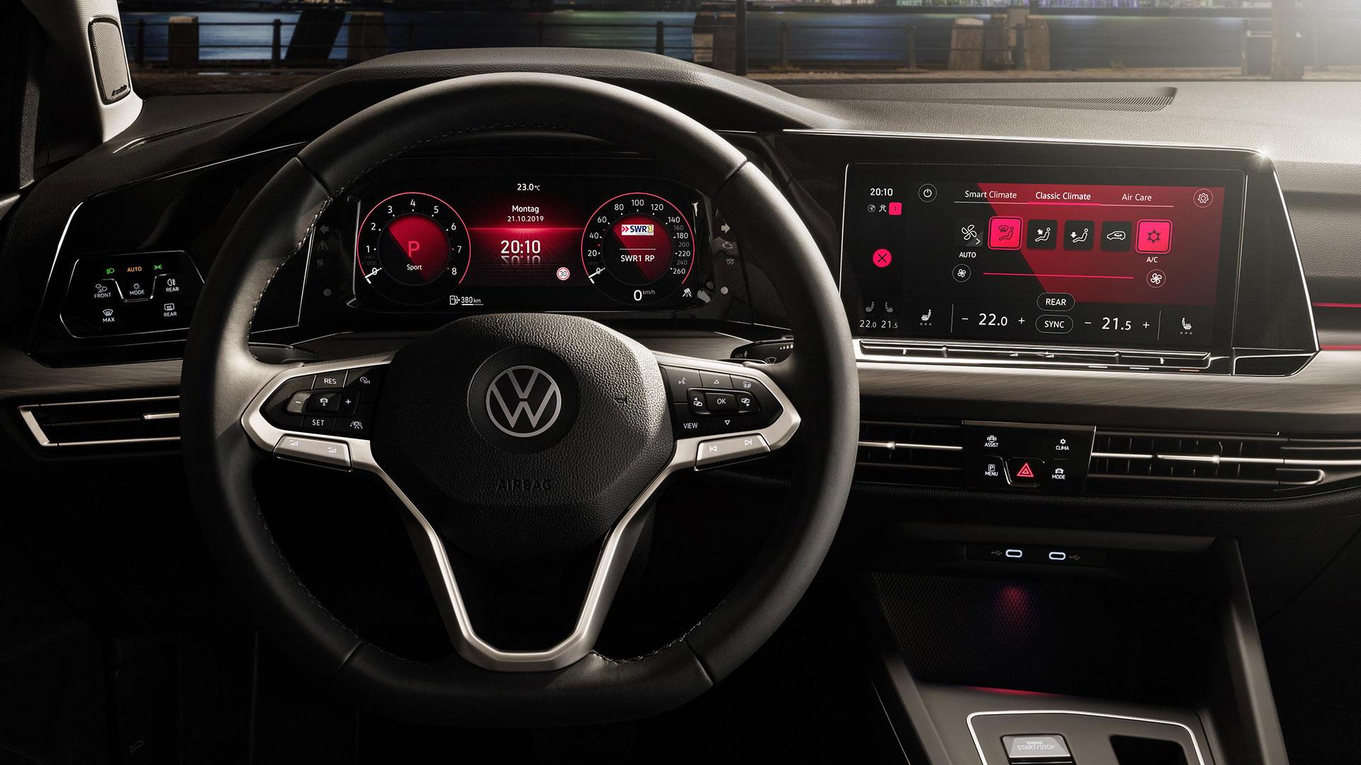 Volkswagen Golf 8 dashboard