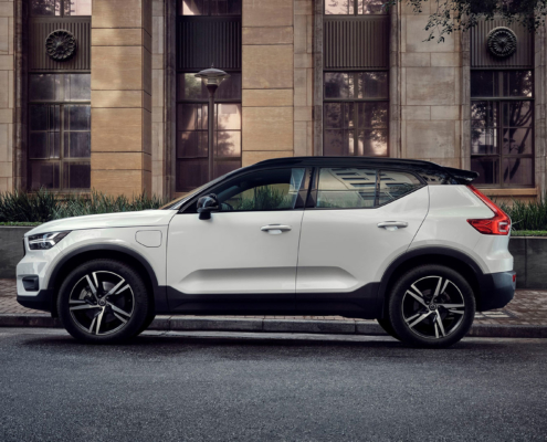 Volvo XC40 part-time electric car