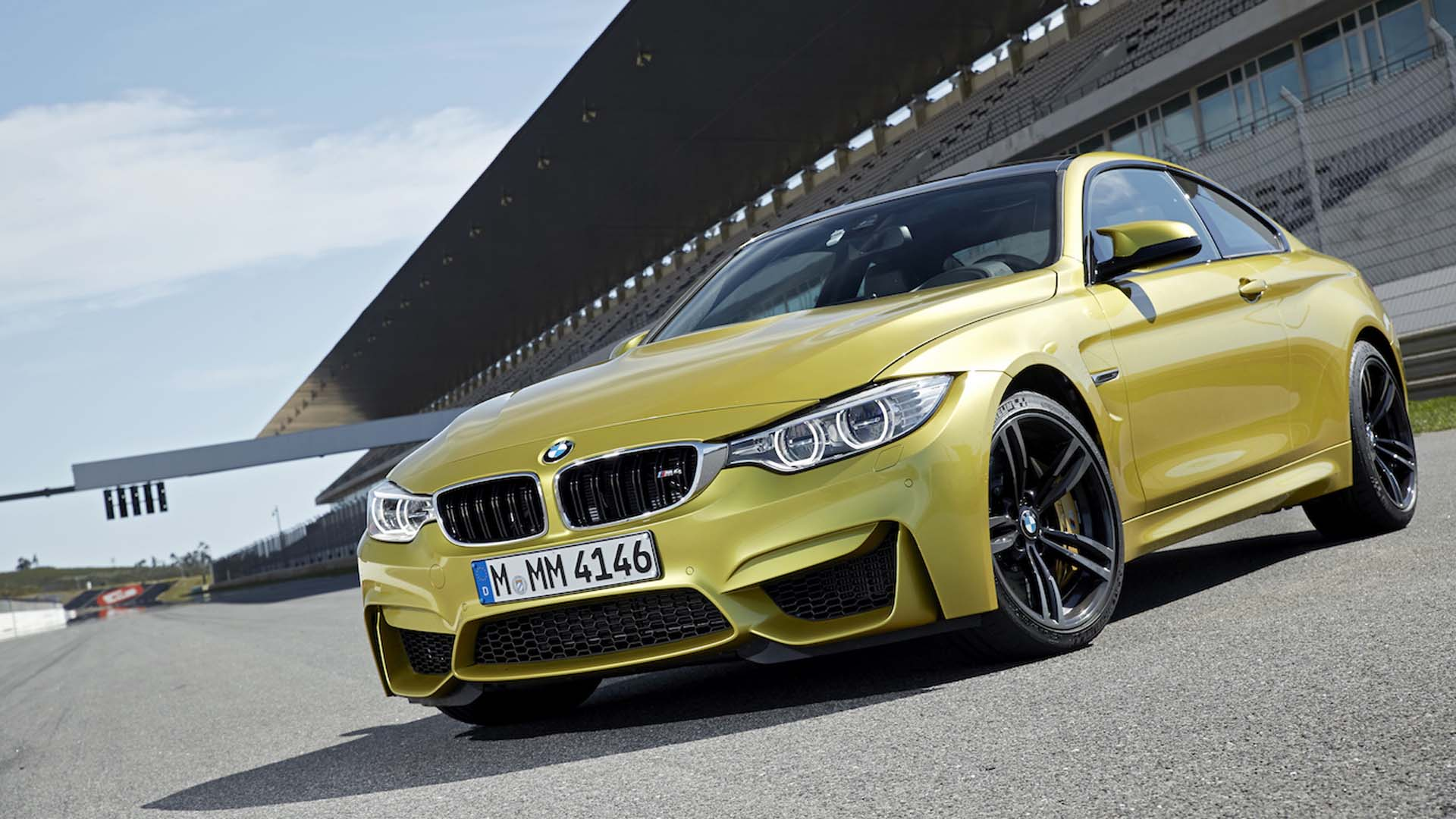 2014 BMW F82 M4 Coupe