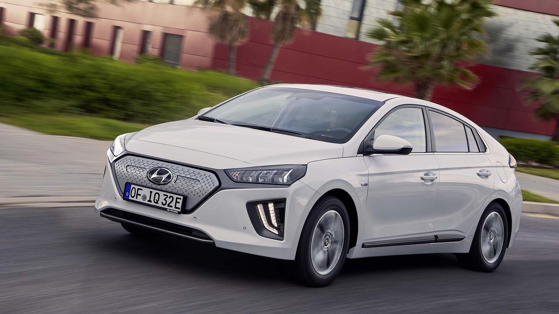 Hyundai Ioniq Electric – 193 miles