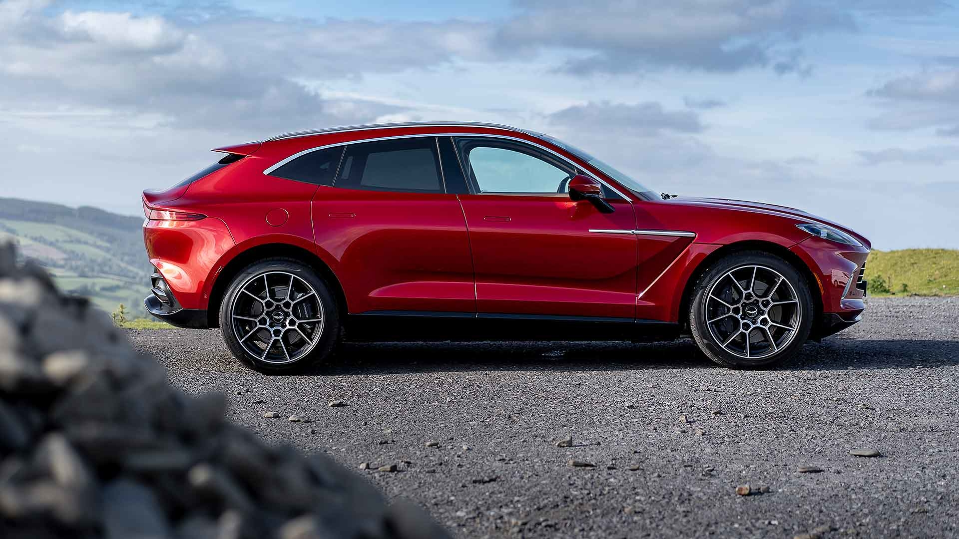Aston Martin Dbx 2020 Review Motoring Research