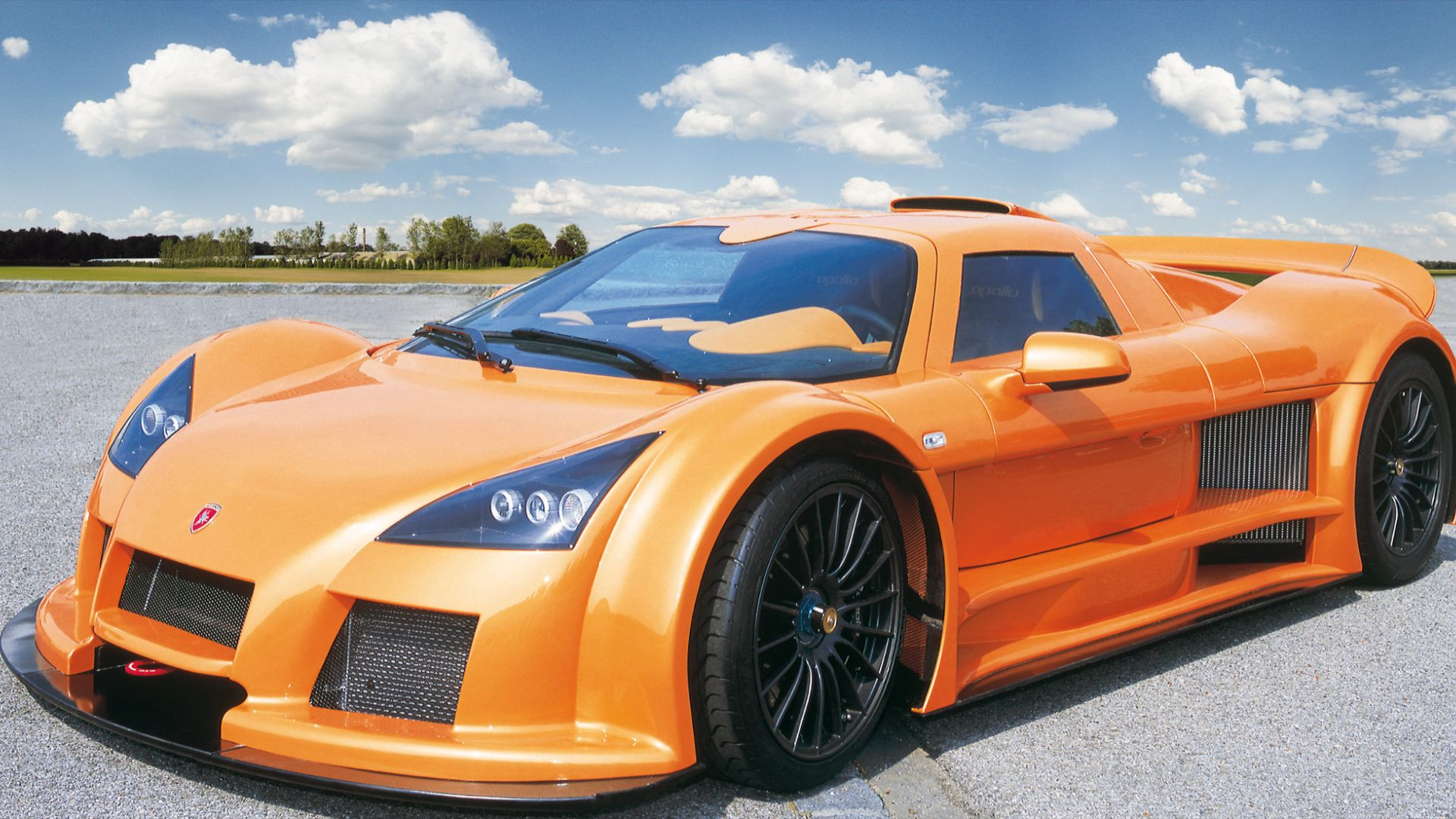 Gumpert Apollo – 225mph
