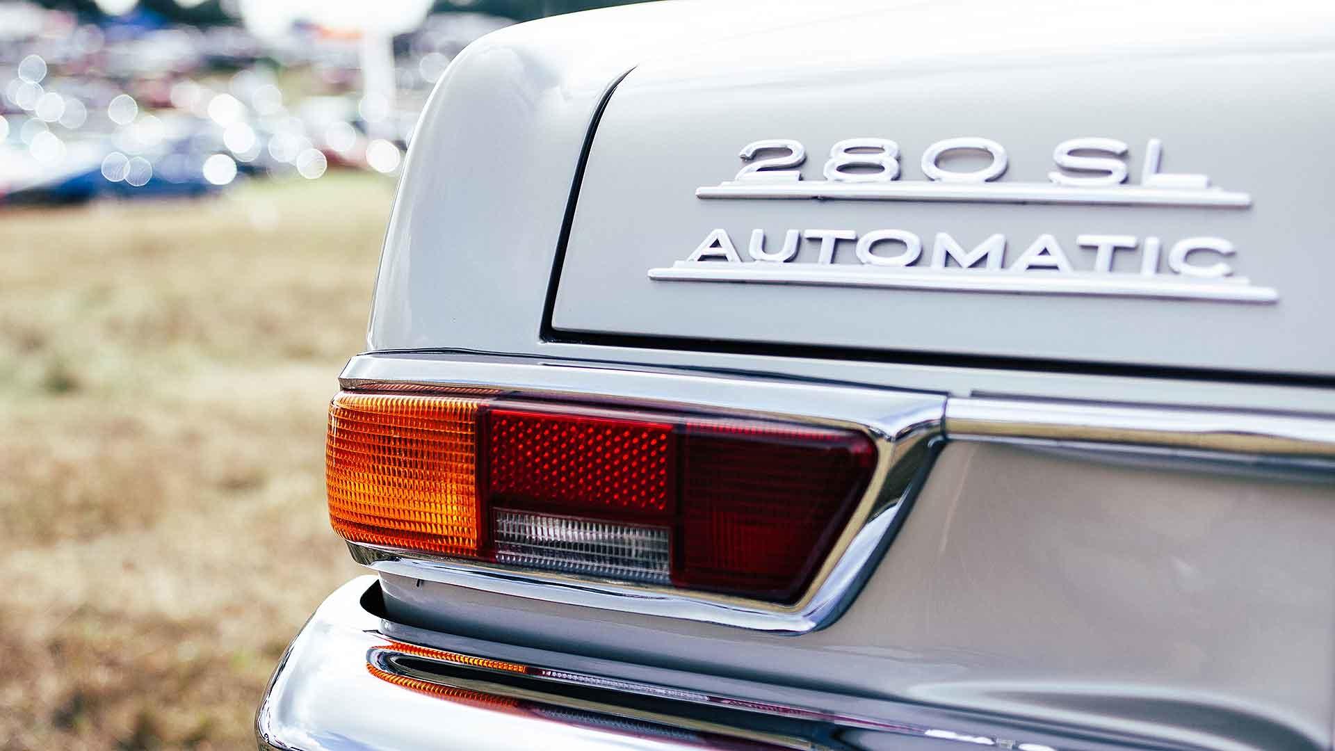 Retro Mercedes-Benz 280 SL Automatic
