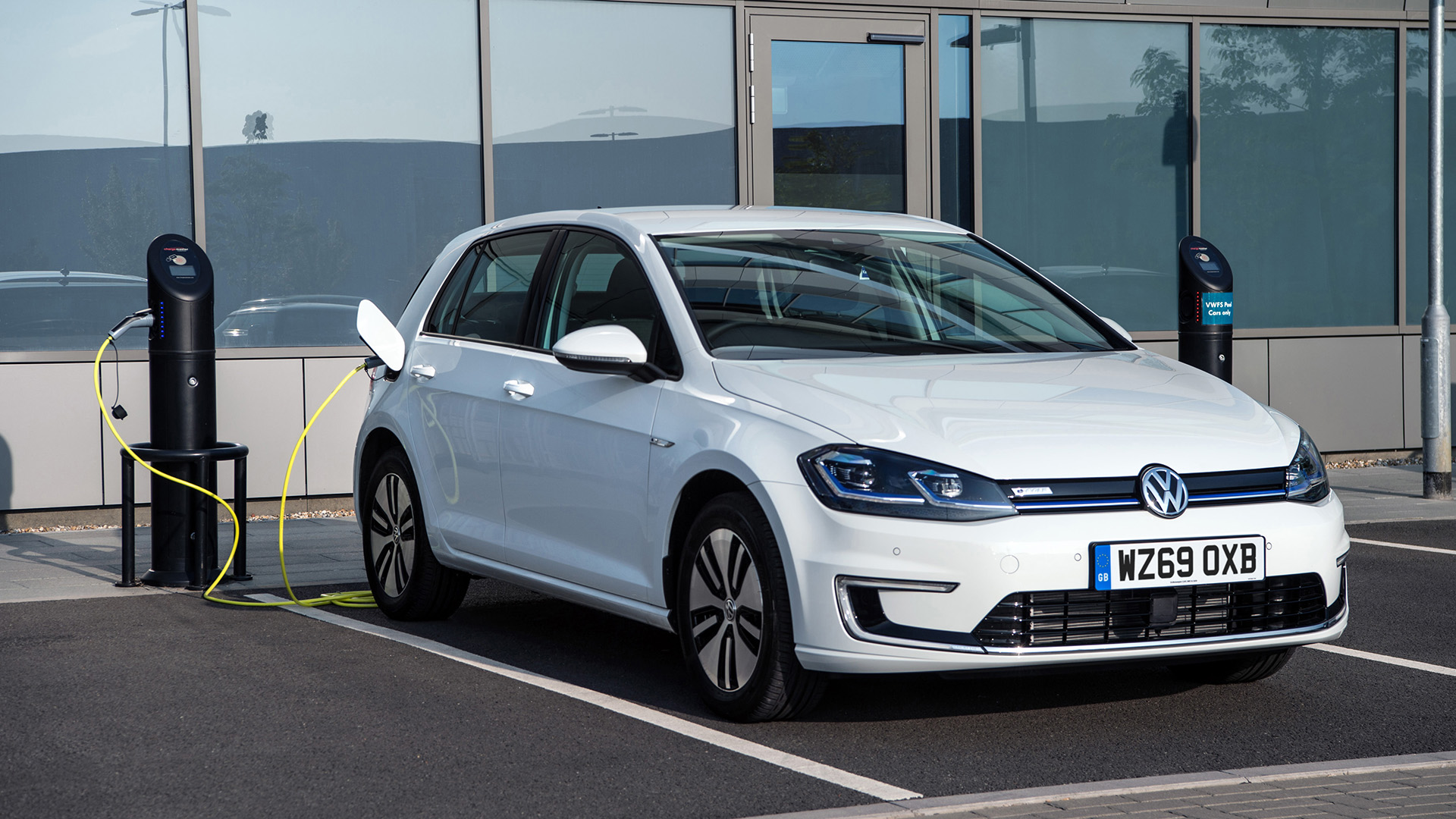 16. Volkswagen e-Golf