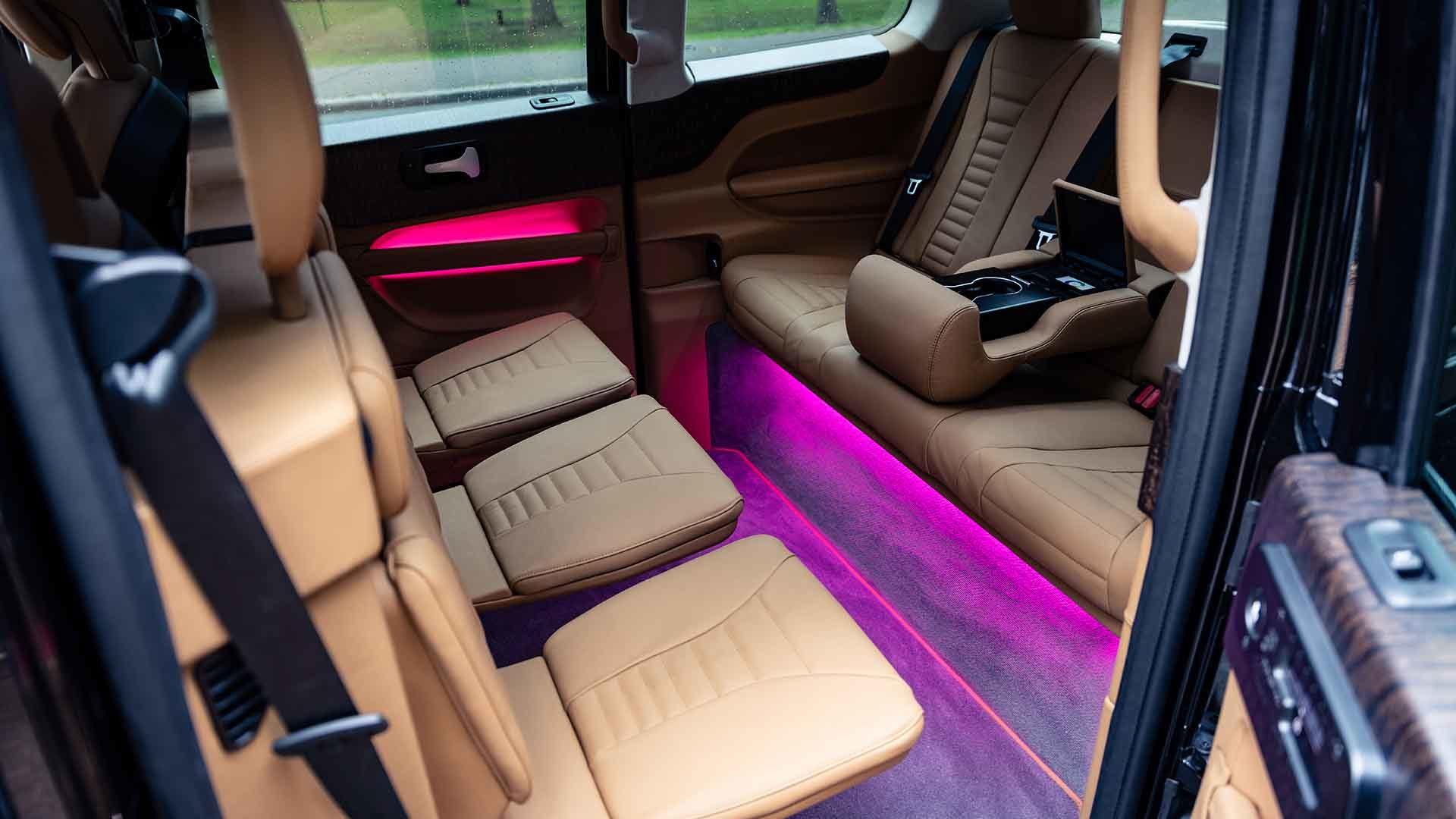 Sutton VIP Class interior