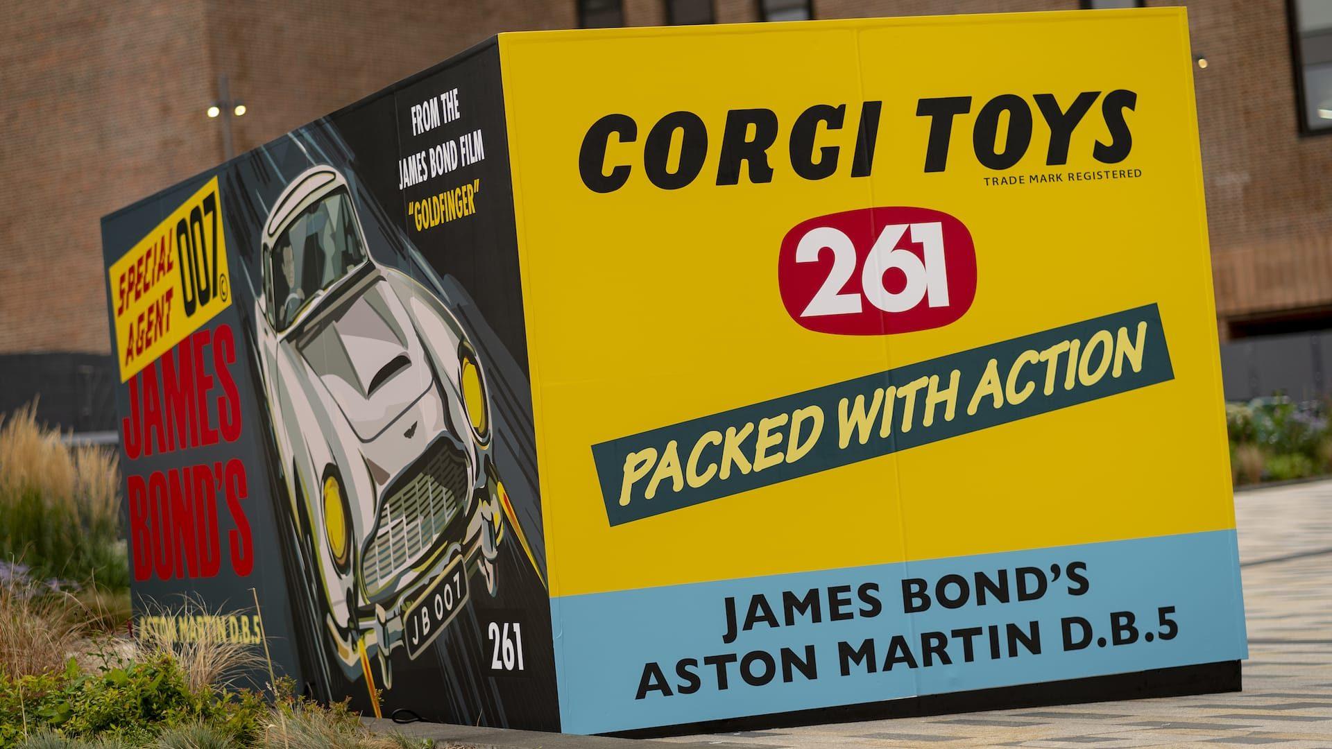 Aston Martin DB5 Corgi